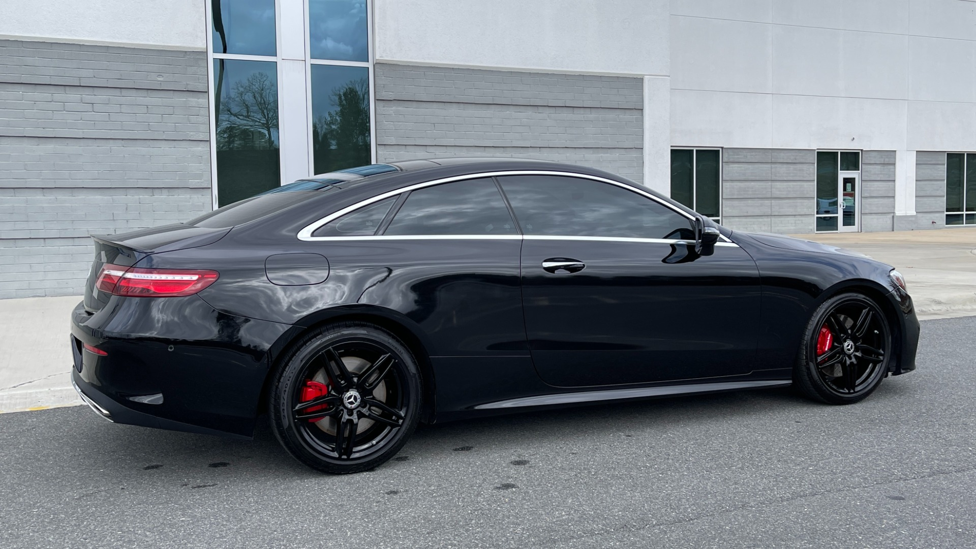 Used 2019 Mercedes-Benz E-CLASS E 450 PREMIUM / AMG LINE / PARK ASST / BSA / BURMESTER for sale $49,995 at Formula Imports in Charlotte NC 28227 8
