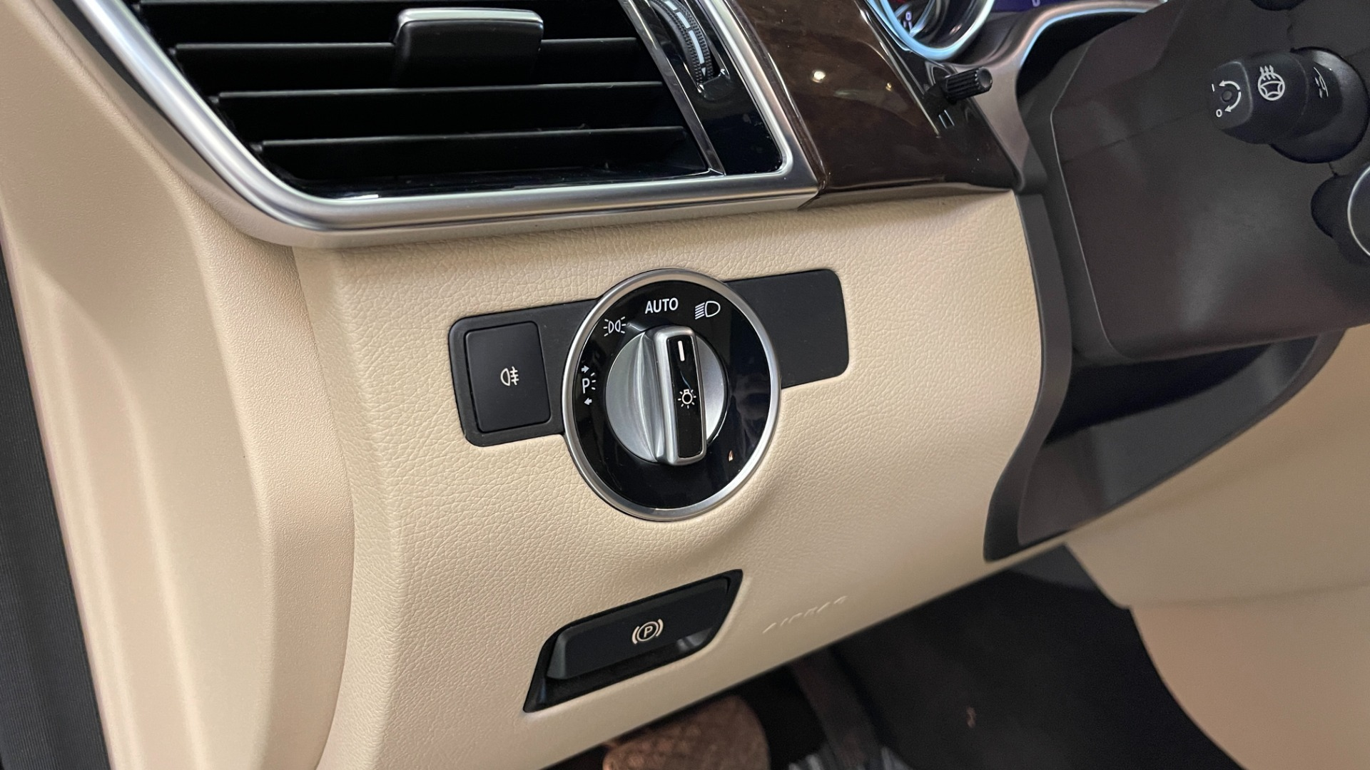 Used 2018 Mercedes-Benz GLE GLE 350 for sale Sold at Formula Imports in Charlotte NC 28227 24