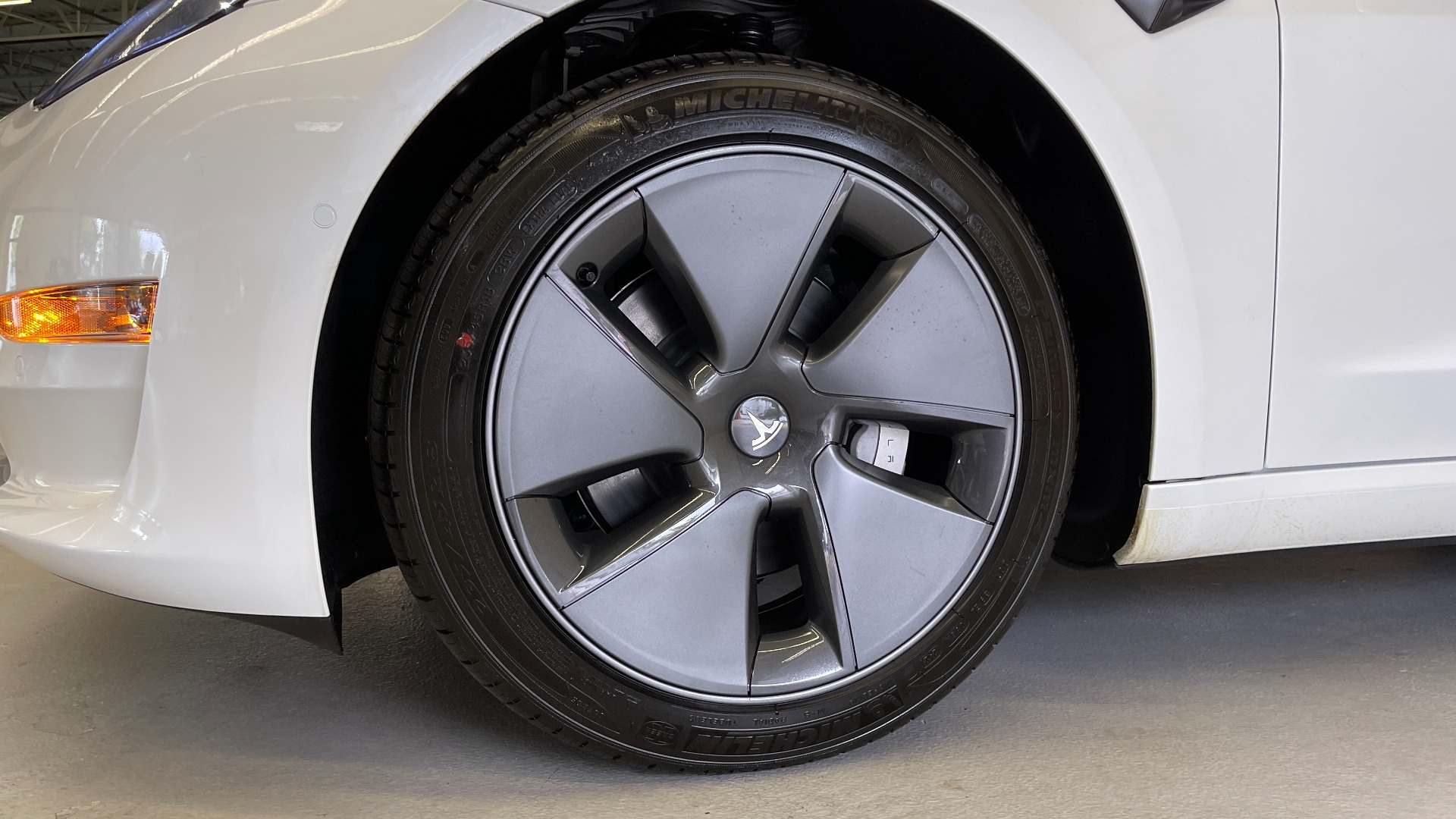 Used 2021 Tesla MODEL 3 STANDARD RANGE PLUS / NAV / REARVIEW for sale $49,595 at Formula Imports in Charlotte NC 28227 49