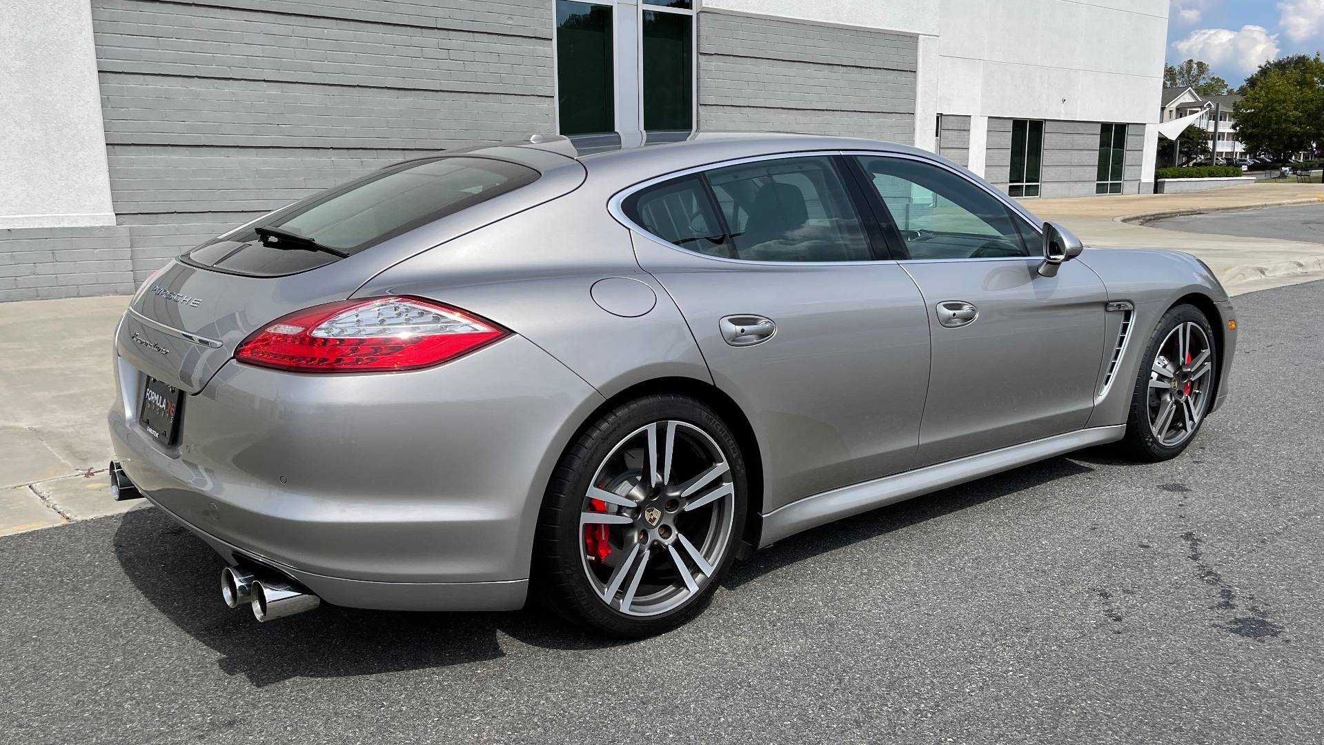 Used 2010 Porsche PANAMERA 4DR HB TURBO / SPORT CHRONO / BOSE / AUTO CLIMATE CONTROL for sale $42,124 at Formula Imports in Charlotte NC 28227 2