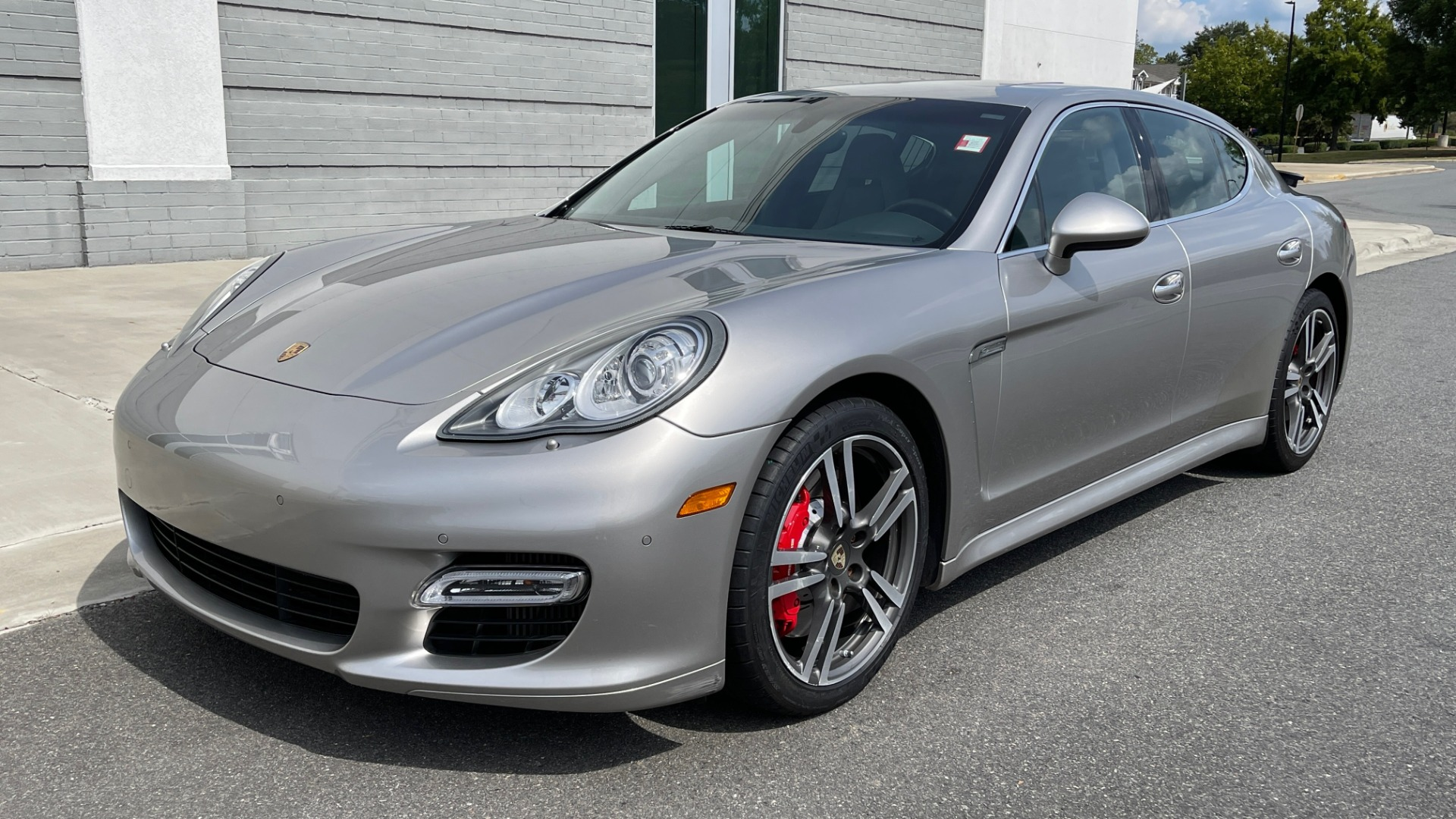 Used 2010 Porsche PANAMERA 4DR HB TURBO / SPORT CHRONO / BOSE / AUTO CLIMATE CONTROL for sale $42,124 at Formula Imports in Charlotte NC 28227 3