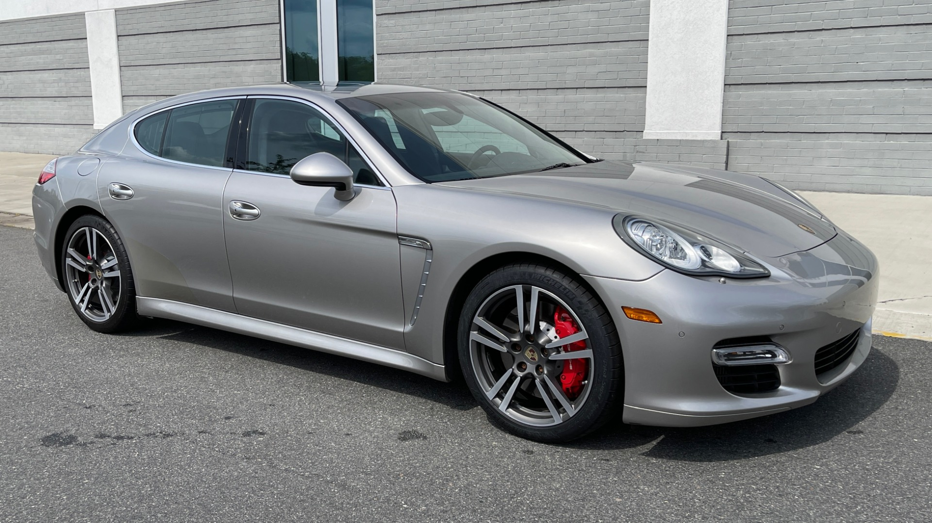 Used 2010 Porsche PANAMERA 4DR HB TURBO / SPORT CHRONO / BOSE / AUTO CLIMATE CONTROL for sale $42,124 at Formula Imports in Charlotte NC 28227 6