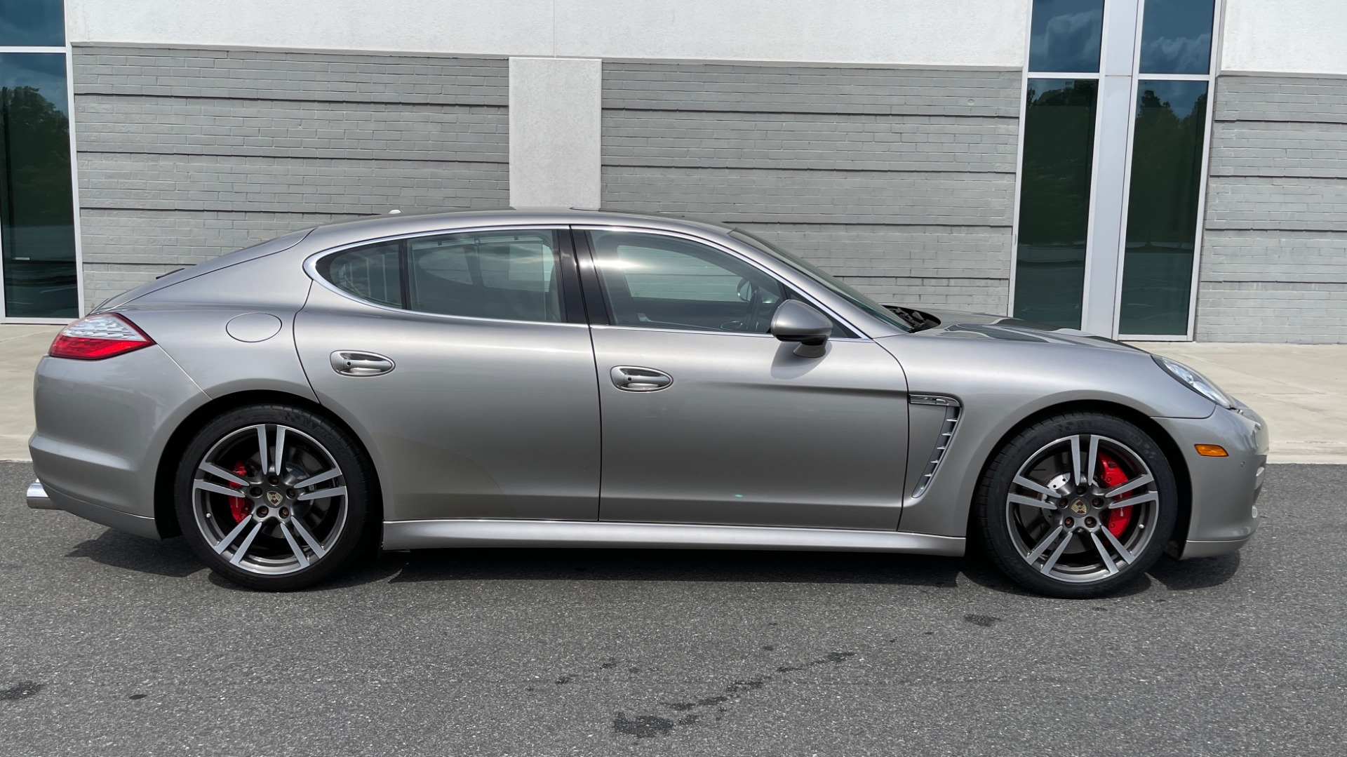 Used 2010 Porsche PANAMERA 4DR HB TURBO / SPORT CHRONO / BOSE / AUTO CLIMATE CONTROL for sale $42,124 at Formula Imports in Charlotte NC 28227 7