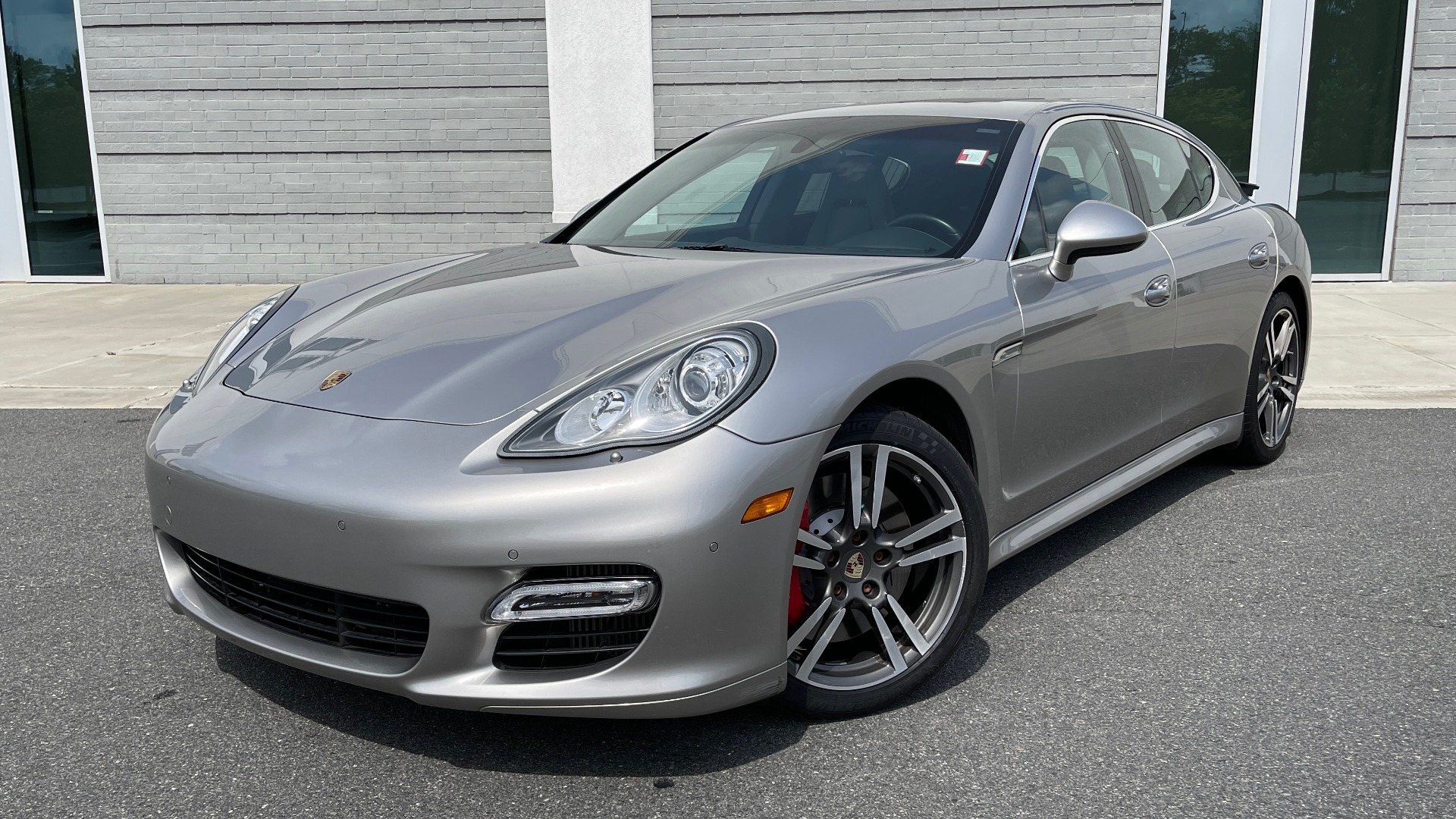 Used 2010 Porsche PANAMERA 4DR HB TURBO / SPORT CHRONO / BOSE / AUTO CLIMATE CONTROL for sale $42,124 at Formula Imports in Charlotte NC 28227 1