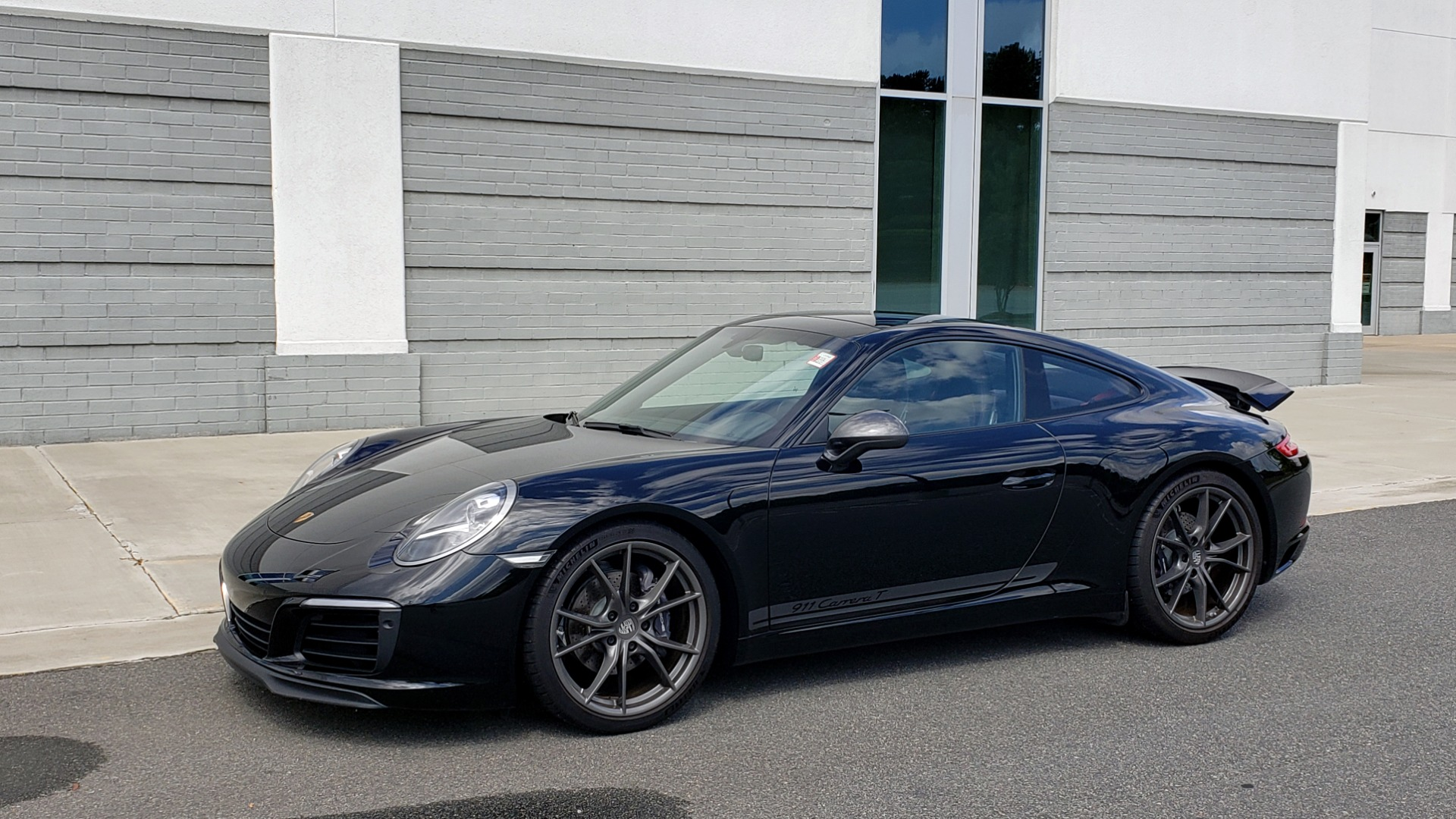 Used 2019 Porsche 911 CARRERA T / 3.0L H6 / MANUAL / PREMIUM / NAV / BOSE / SUNROOF / REARVIEW for sale $117,000 at Formula Imports in Charlotte NC 28227 5