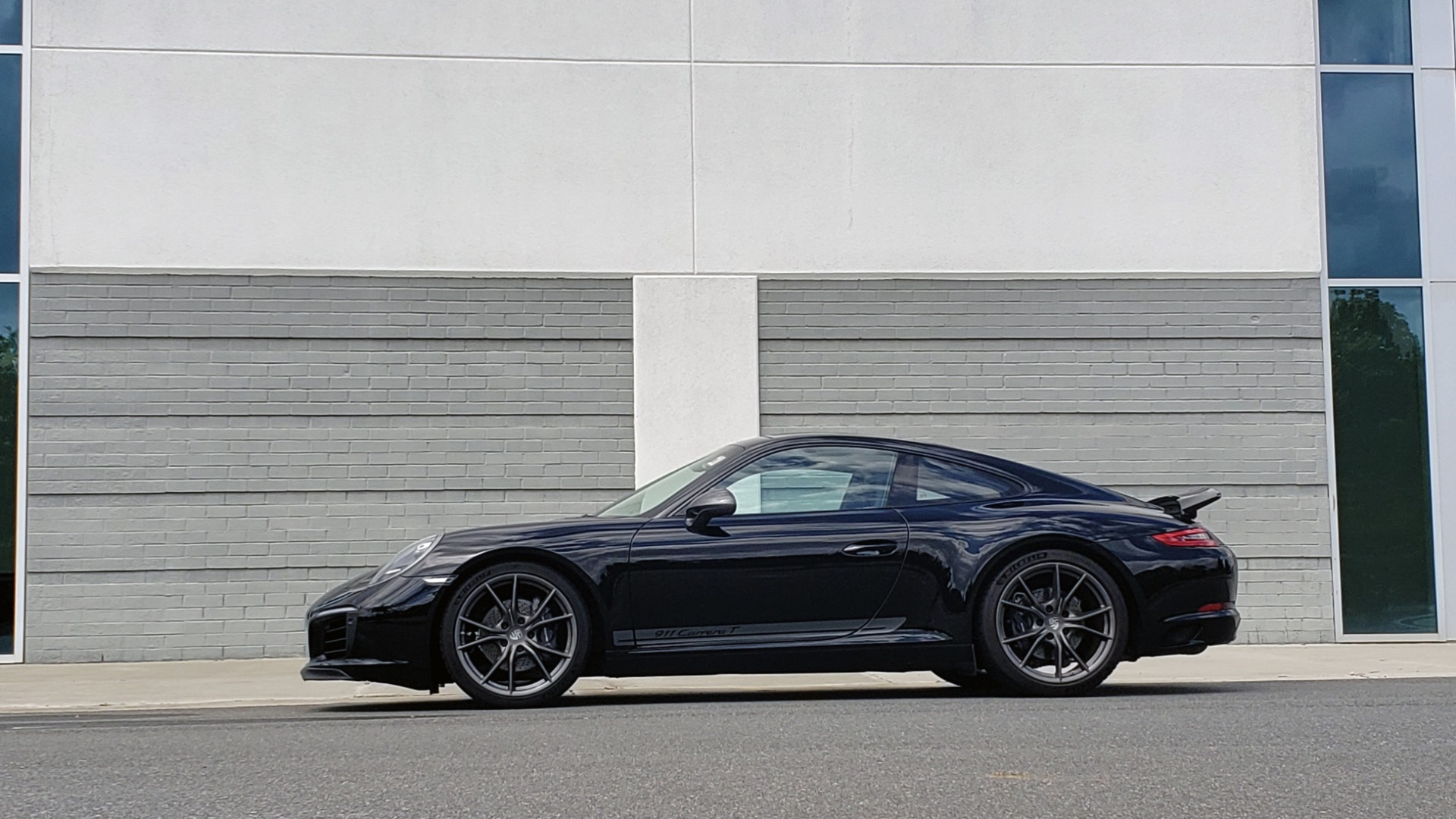 Used 2019 Porsche 911 CARRERA T / 3.0L H6 / MANUAL / PREMIUM / NAV / BOSE / SUNROOF / REARVIEW for sale $117,000 at Formula Imports in Charlotte NC 28227 6