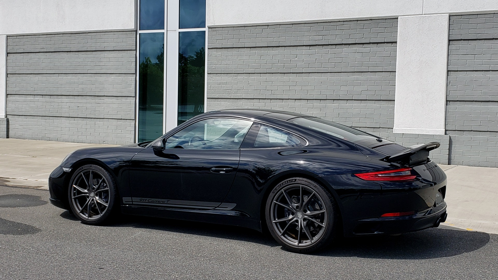 Used 2019 Porsche 911 CARRERA T / 3.0L H6 / MANUAL / PREMIUM / NAV / BOSE / SUNROOF / REARVIEW for sale $117,000 at Formula Imports in Charlotte NC 28227 7