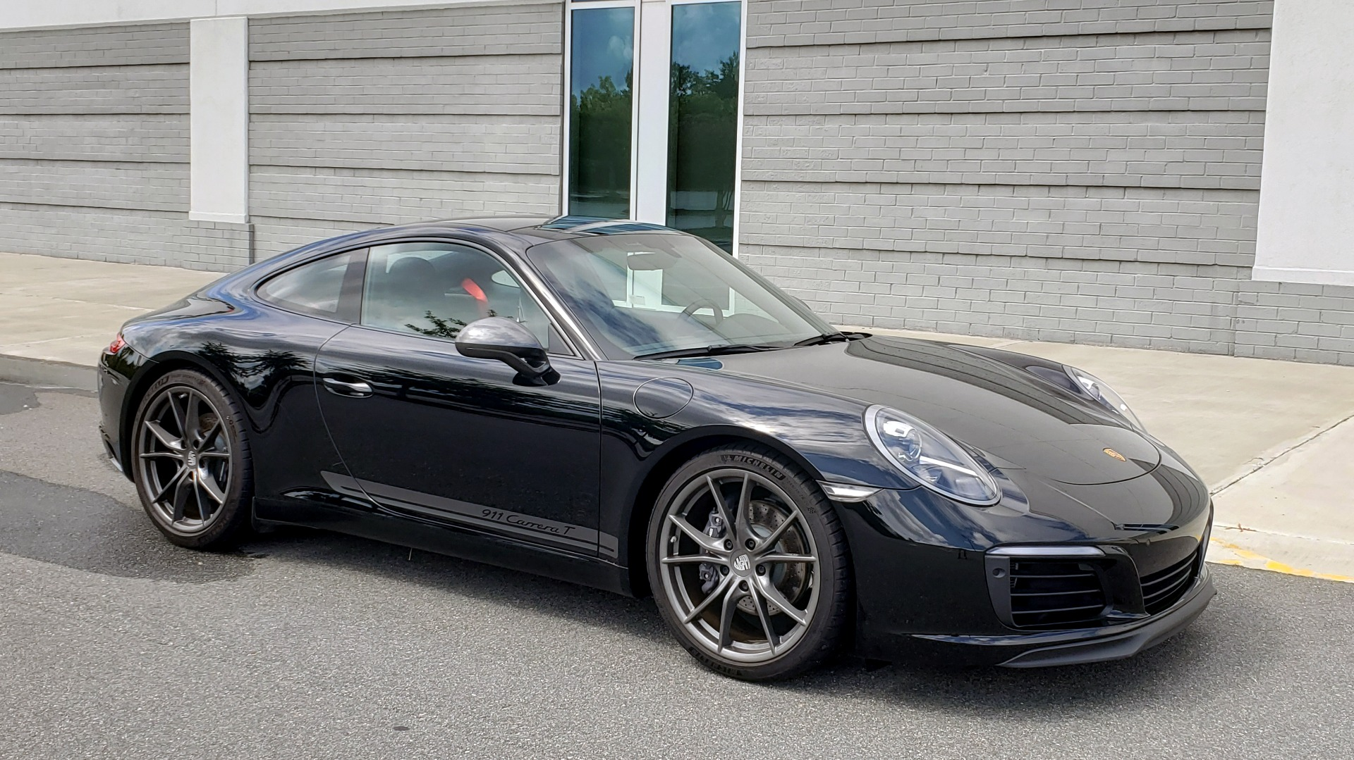 Used 2019 Porsche 911 CARRERA T / 3.0L H6 / MANUAL / PREMIUM / NAV / BOSE / SUNROOF / REARVIEW for sale $117,000 at Formula Imports in Charlotte NC 28227 8