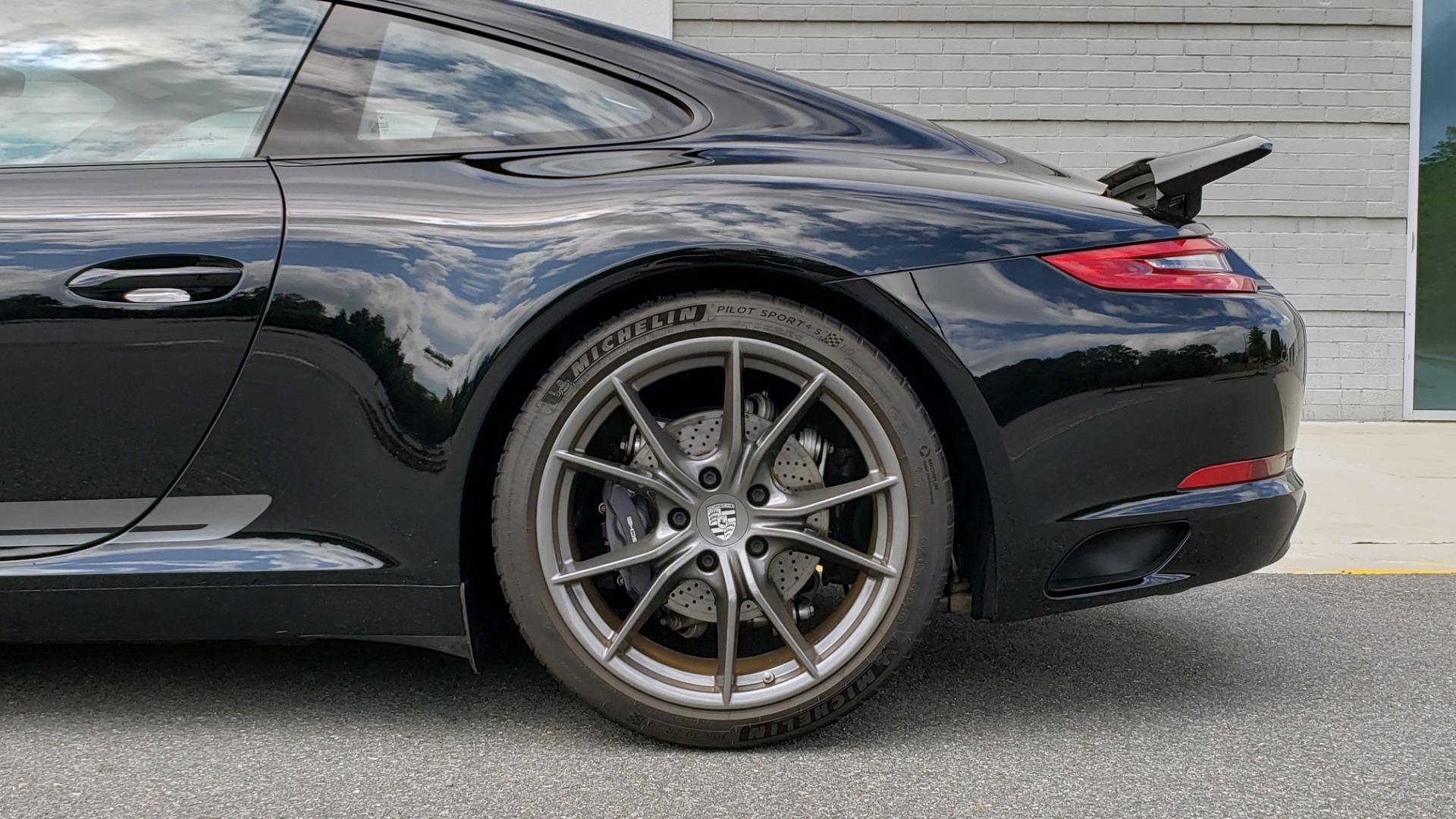 Used 2019 Porsche 911 CARRERA T / 3.0L H6 / MANUAL / PREMIUM / NAV / BOSE / SUNROOF / REARVIEW for sale $117,000 at Formula Imports in Charlotte NC 28227 81