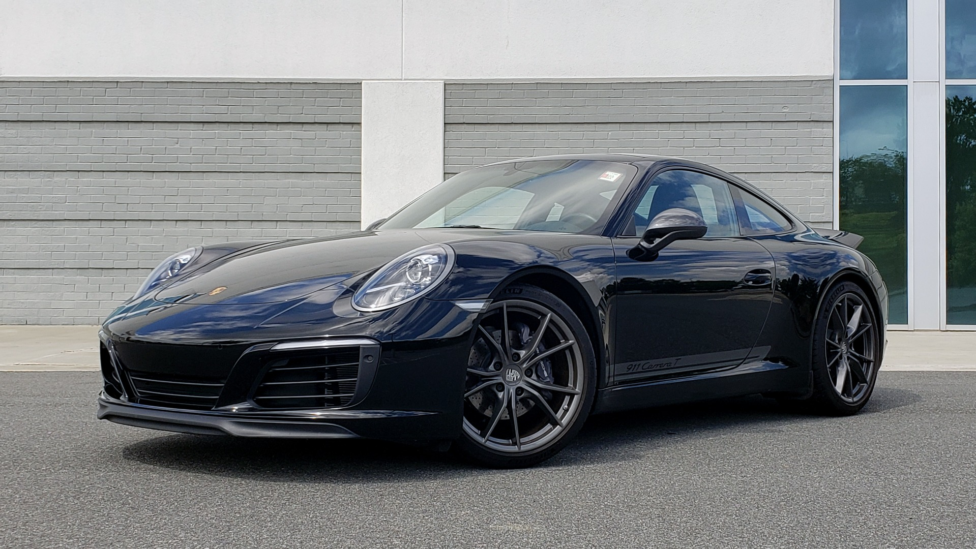 Used 2019 Porsche 911 CARRERA T / 3.0L H6 / MANUAL / PREMIUM / NAV / BOSE / SUNROOF / REARVIEW for sale $117,000 at Formula Imports in Charlotte NC 28227 1
