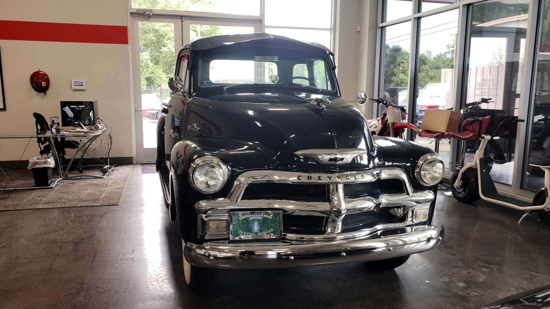 Used 1954 Chevrolet 3100 PICK-UP TRUCK / HALF-TON / IN-LINE-6 CYLINDER / 3-SPEED MANUAL / CLASSIC for sale $26,999 at Formula Imports in Charlotte NC 28227 3