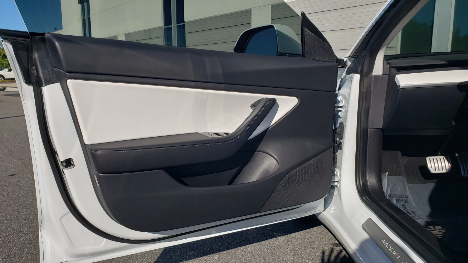 Used 2020 Tesla MODEL 3 PERFORMANCE / AWD / NAV / DUAL-SUNROOF / RERVIEW for sale Sold at Formula Imports in Charlotte NC 28227 35