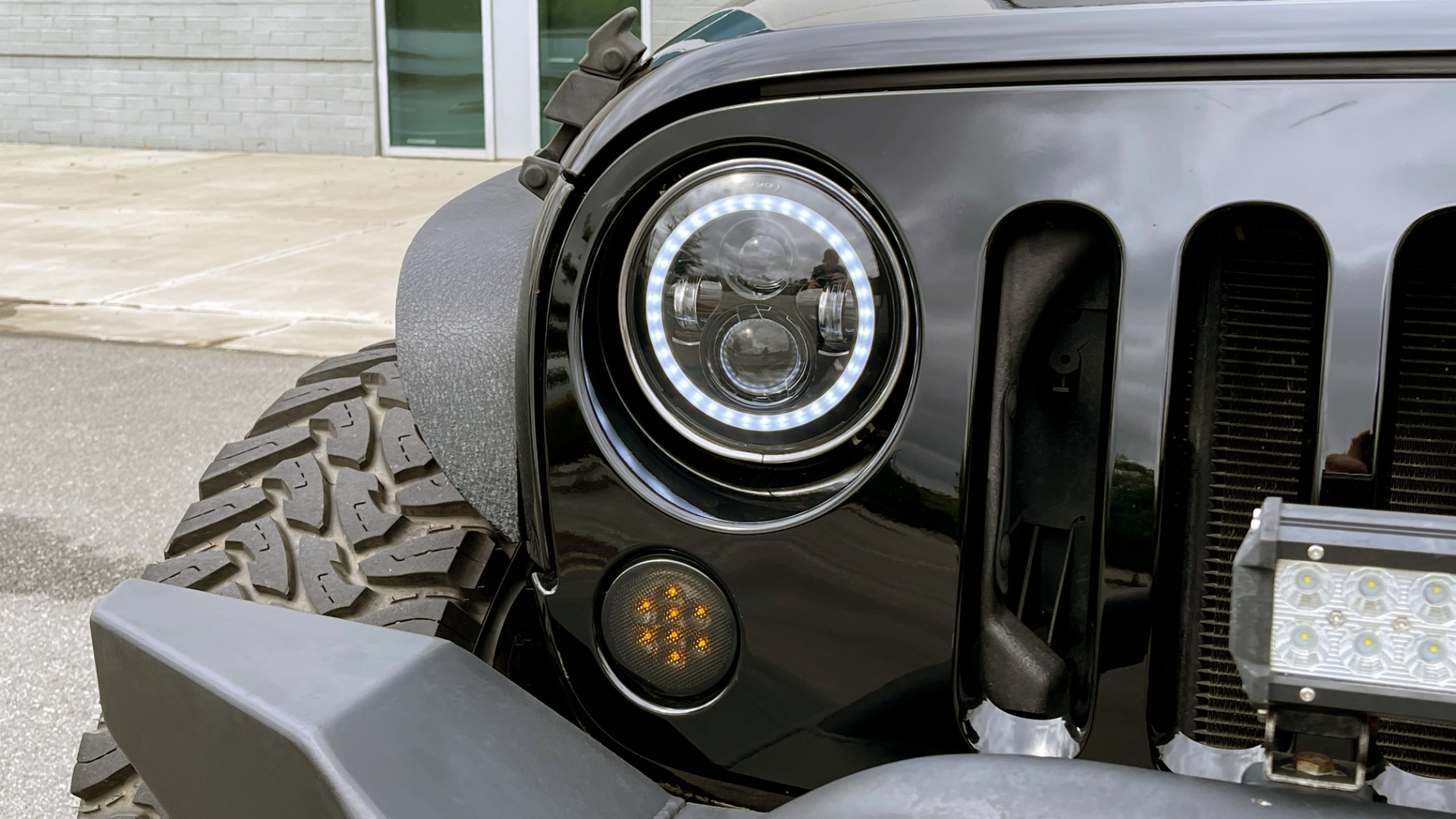 Used 2013 Jeep WRANGLER UNLIMITED RUBICON 4X4 / 3.6L V6 / 6-SPD MAN / DUAL-TOP / AIR COND for sale $32,900 at Formula Imports in Charlotte NC 28227 10