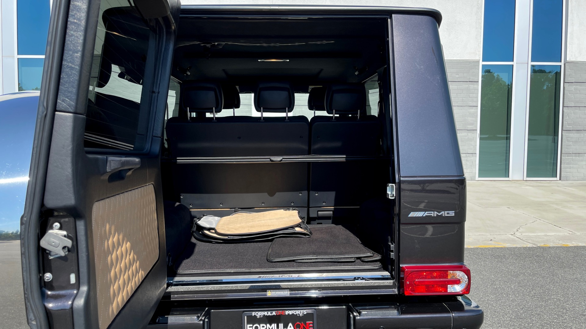 Used 2014 Mercedes-Benz G-CLASS G 63 AMG / DISGNO LEATHER / NAV / SUNROOF / REARVIEW for sale $88,999 at Formula Imports in Charlotte NC 28227 17