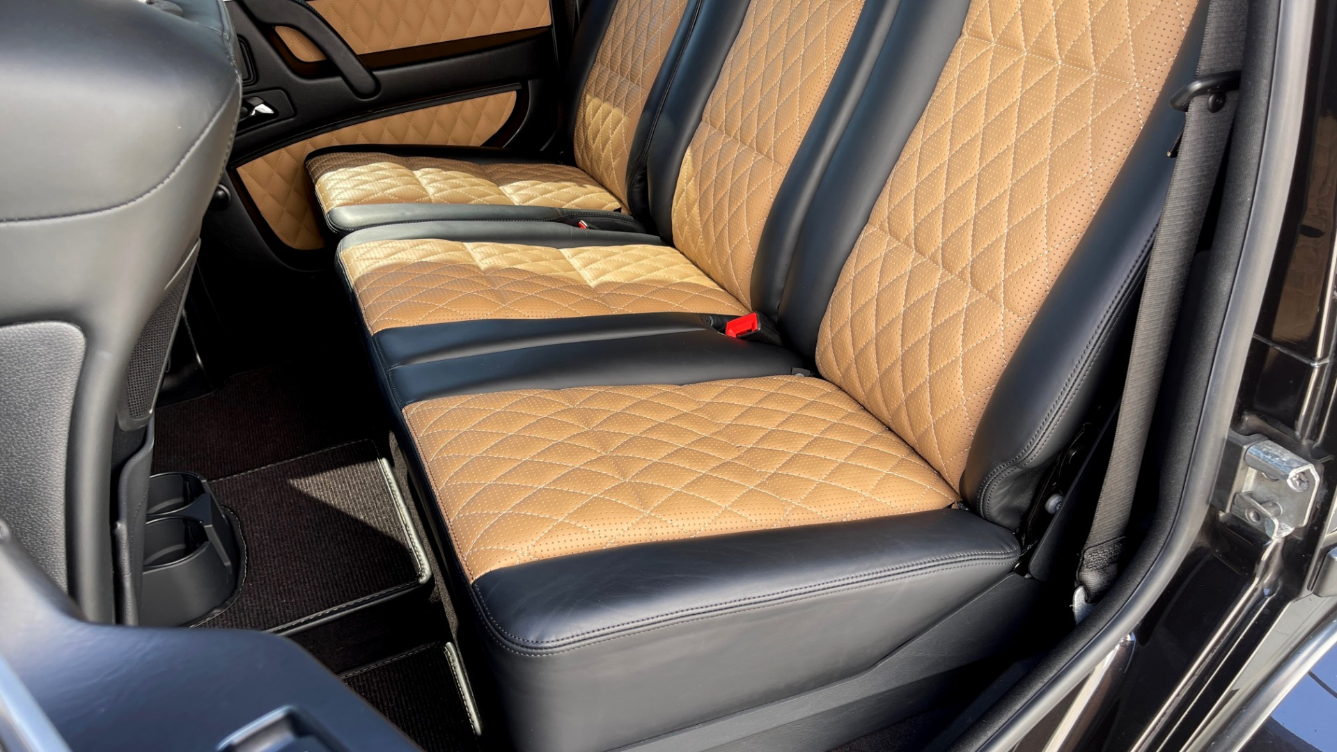Used 2014 Mercedes-Benz G-CLASS G 63 AMG / DISGNO LEATHER / NAV / SUNROOF / REARVIEW for sale $88,999 at Formula Imports in Charlotte NC 28227 50