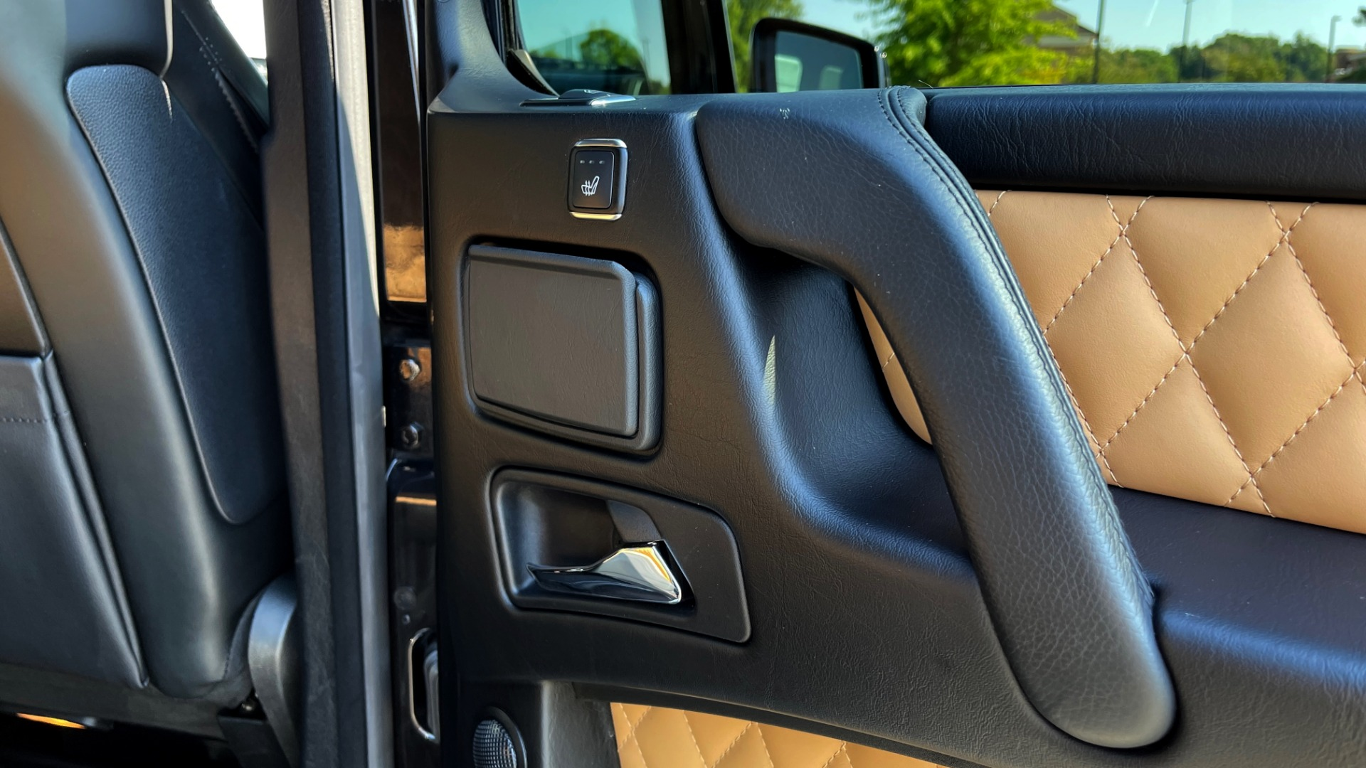 Used 2014 Mercedes-Benz G-CLASS G 63 AMG / DISGNO LEATHER / NAV / SUNROOF / REARVIEW for sale $88,999 at Formula Imports in Charlotte NC 28227 56