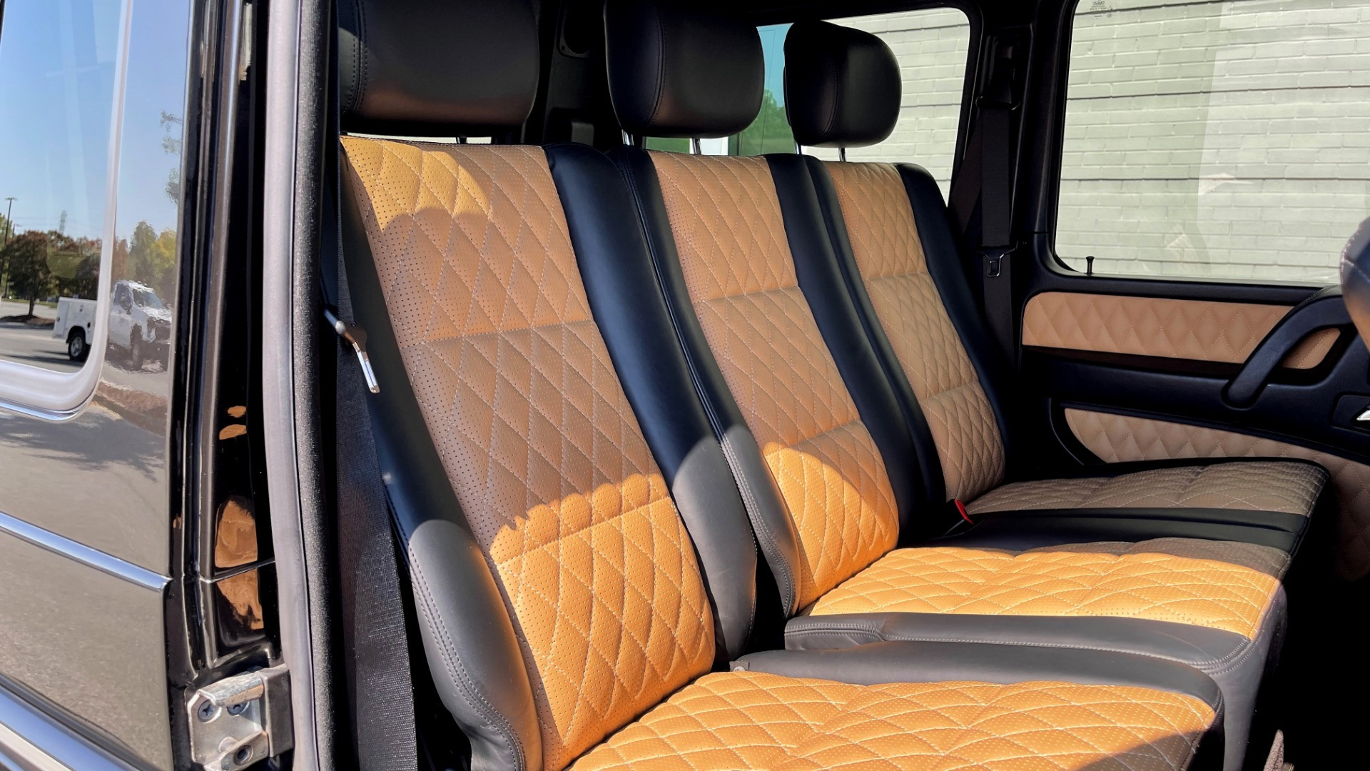 Used 2014 Mercedes-Benz G-CLASS G 63 AMG / DISGNO LEATHER / NAV / SUNROOF / REARVIEW for sale $88,999 at Formula Imports in Charlotte NC 28227 57