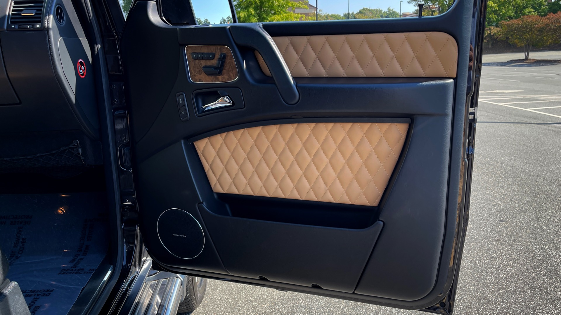 Used 2014 Mercedes-Benz G-CLASS G 63 AMG / DISGNO LEATHER / NAV / SUNROOF / REARVIEW for sale $88,999 at Formula Imports in Charlotte NC 28227 59