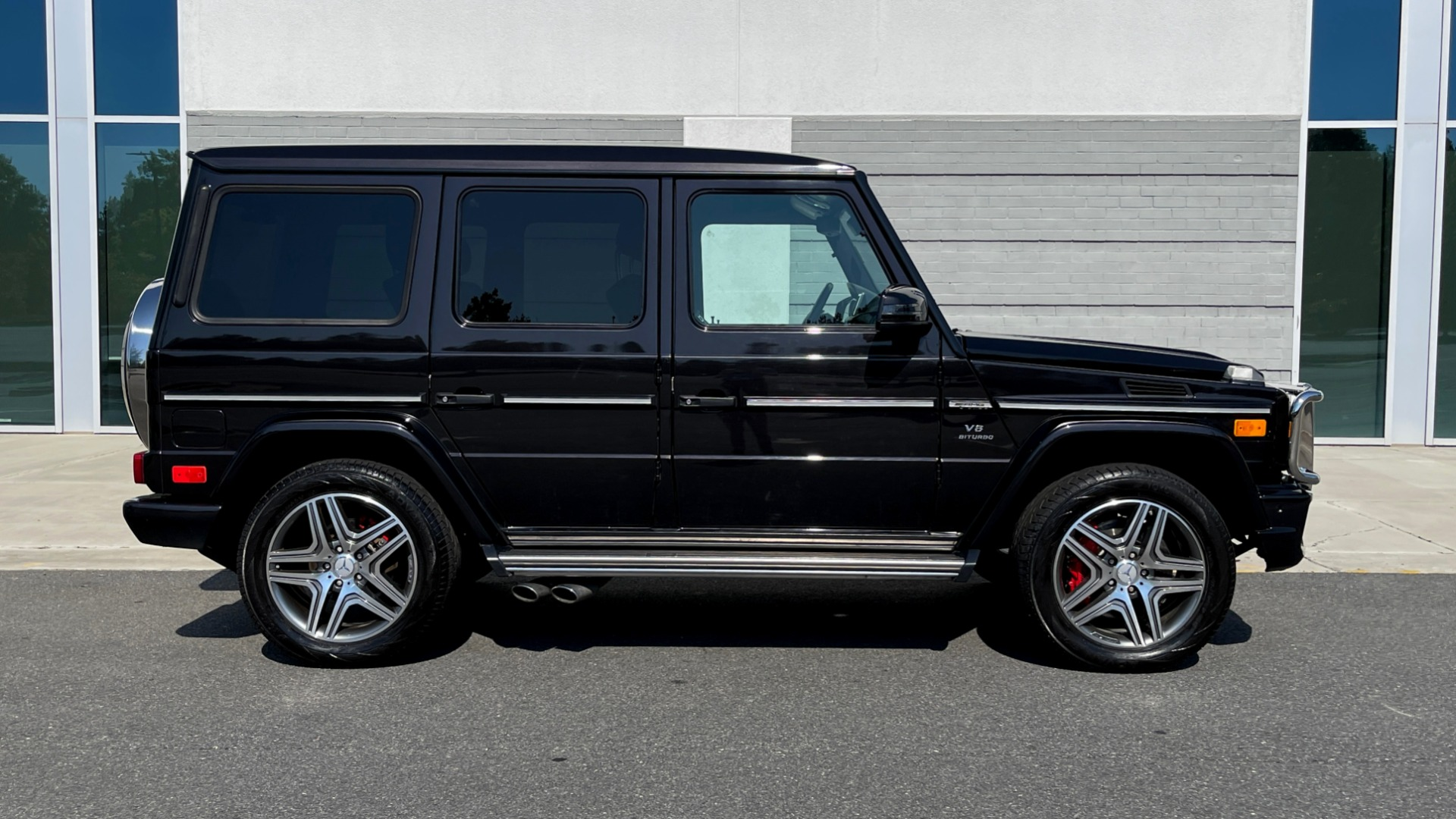 Used 2014 Mercedes-Benz G-CLASS G 63 AMG / DISGNO LEATHER / NAV / SUNROOF / REARVIEW for sale $88,999 at Formula Imports in Charlotte NC 28227 6