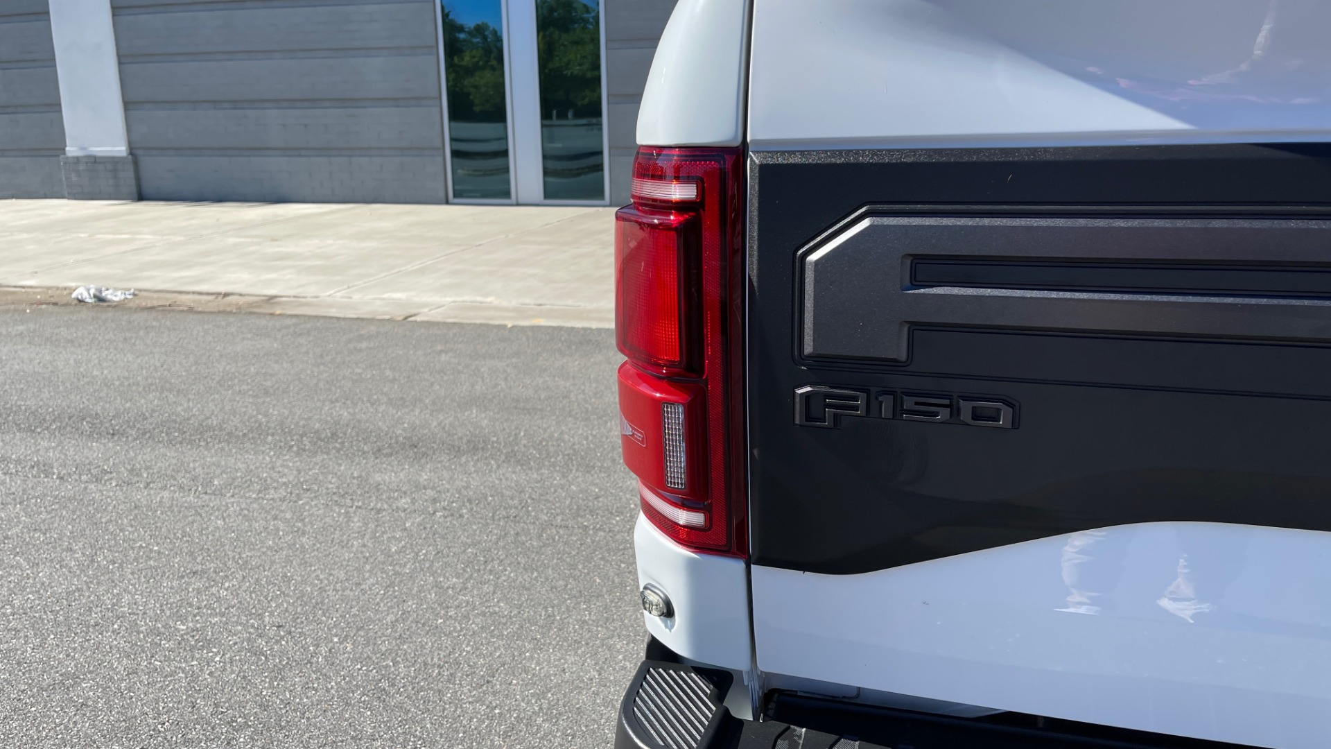 Used 2019 Ford F-150 RAPTOR 4X4 SUPERCREW / NAV / BLIS / B&O SND / REMOTE START / REARVIEW for sale $65,999 at Formula Imports in Charlotte NC 28227 18
