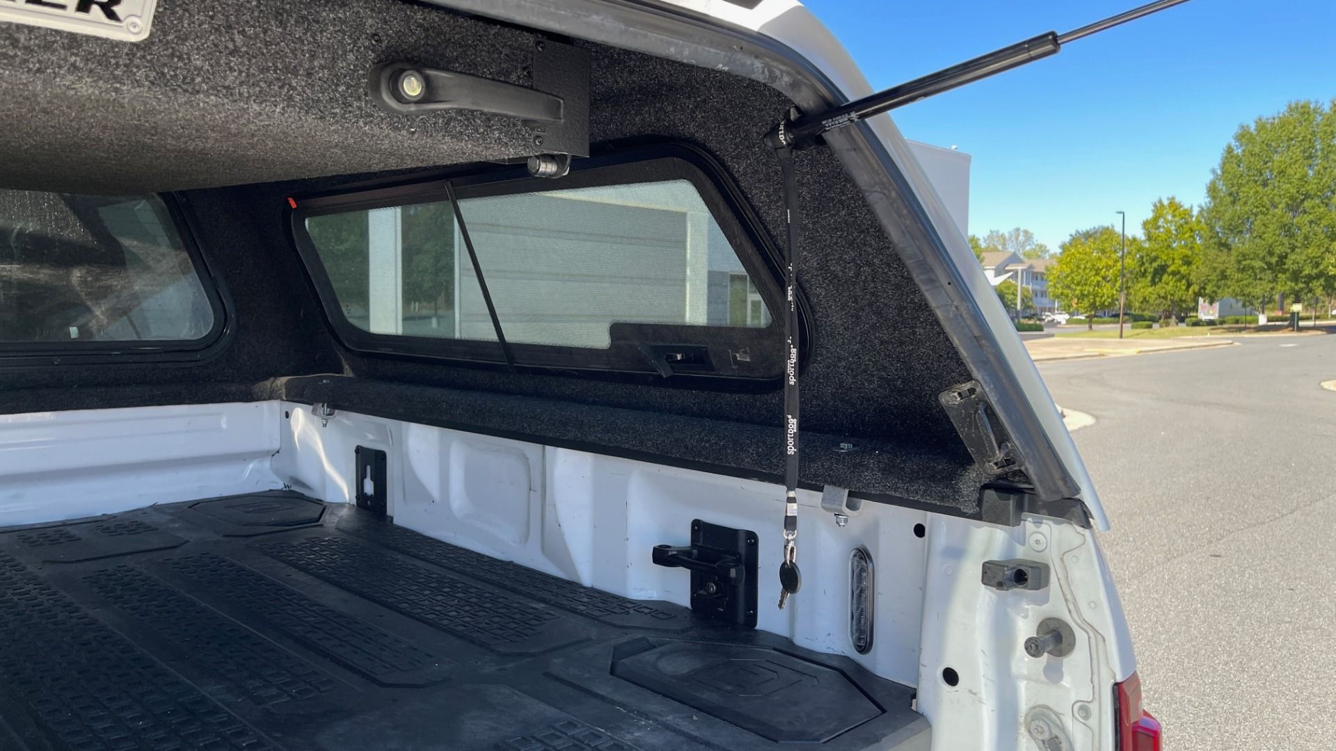 Used 2019 Ford F-150 RAPTOR 4X4 SUPERCREW / NAV / BLIS / B&O SND / REMOTE START / REARVIEW for sale $65,999 at Formula Imports in Charlotte NC 28227 24