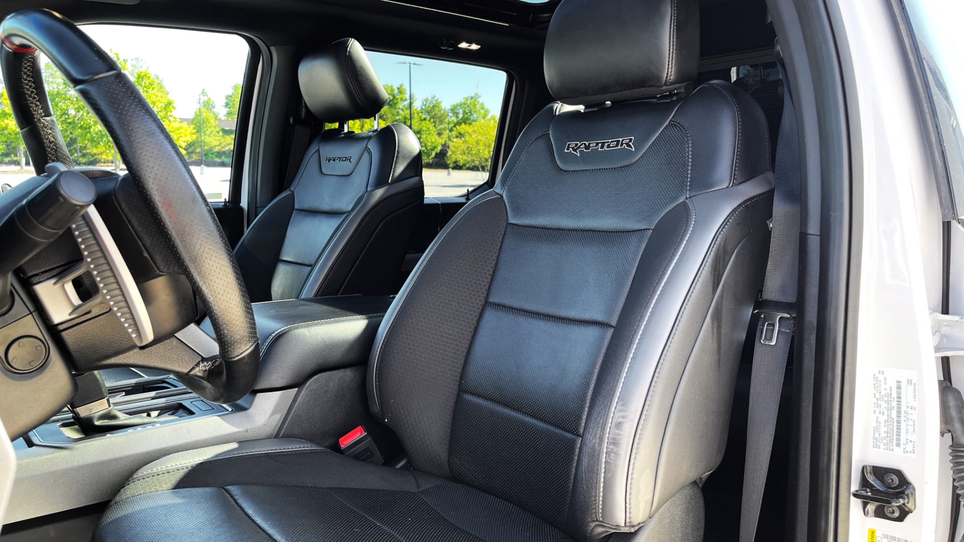 Used 2019 Ford F-150 RAPTOR 4X4 SUPERCREW / NAV / BLIS / B&O SND / REMOTE START / REARVIEW for sale $65,999 at Formula Imports in Charlotte NC 28227 36