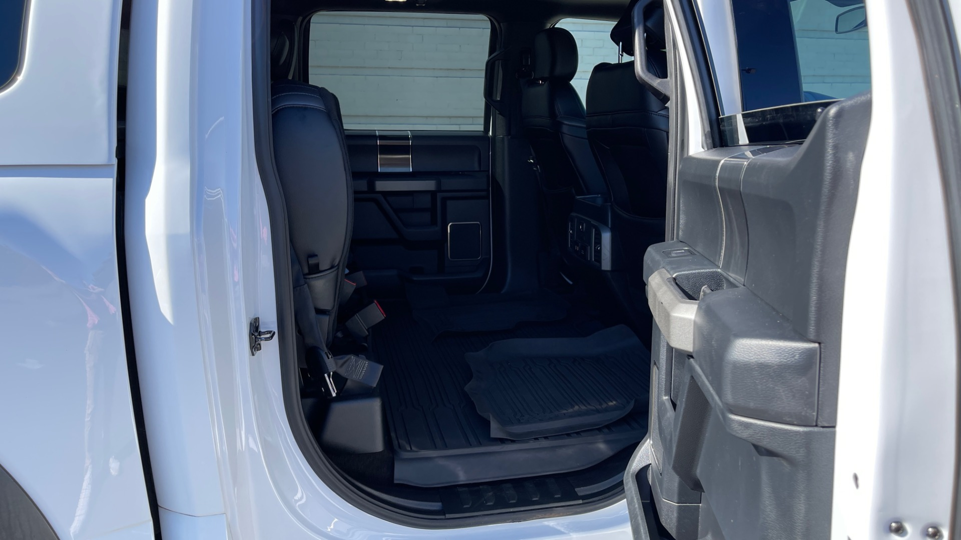 Used 2019 Ford F-150 RAPTOR 4X4 SUPERCREW / NAV / BLIS / B&O SND / REMOTE START / REARVIEW for sale $65,999 at Formula Imports in Charlotte NC 28227 65