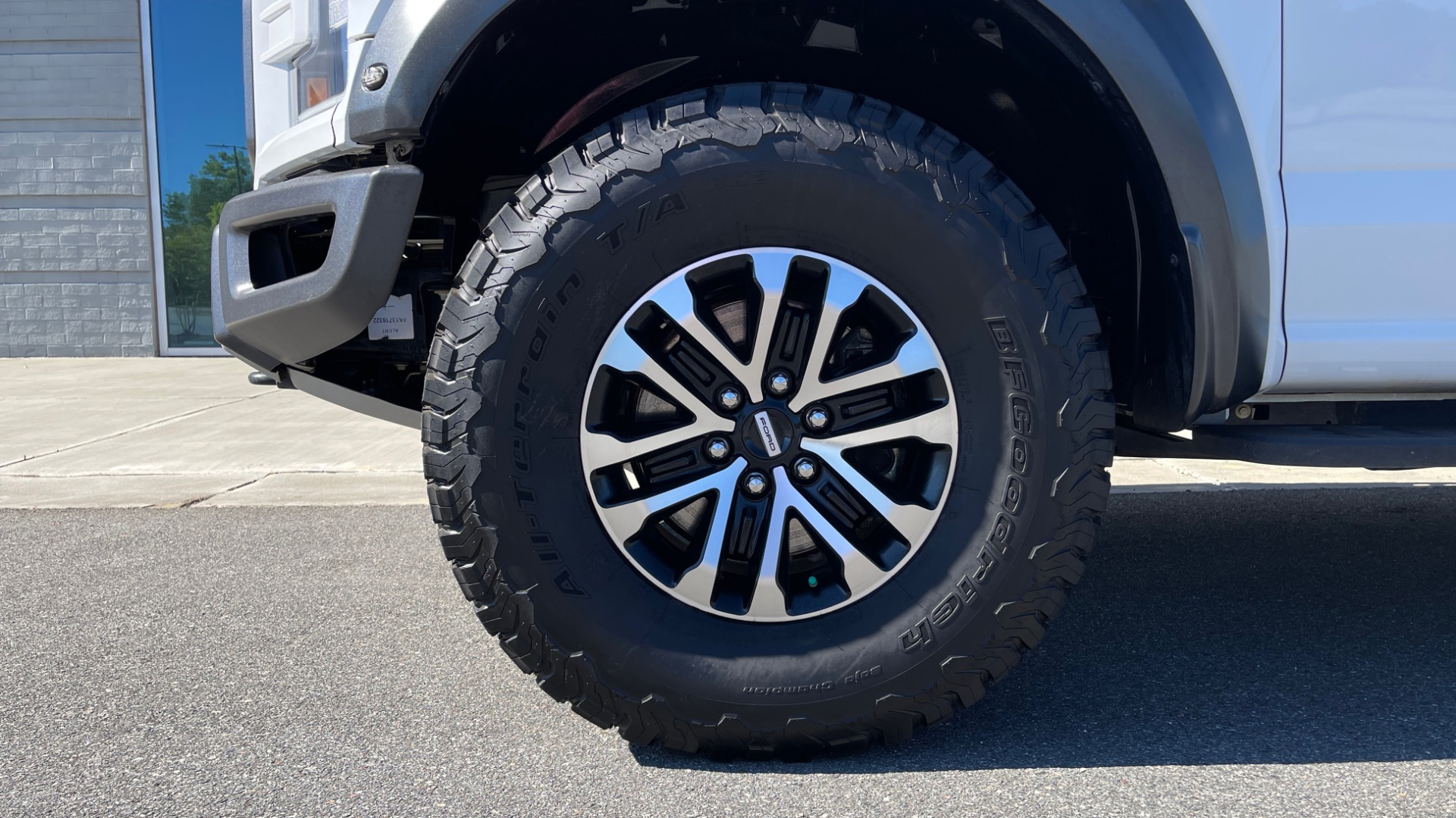 Used 2019 Ford F-150 RAPTOR 4X4 SUPERCREW / NAV / BLIS / B&O SND / REMOTE START / REARVIEW for sale $65,999 at Formula Imports in Charlotte NC 28227 71