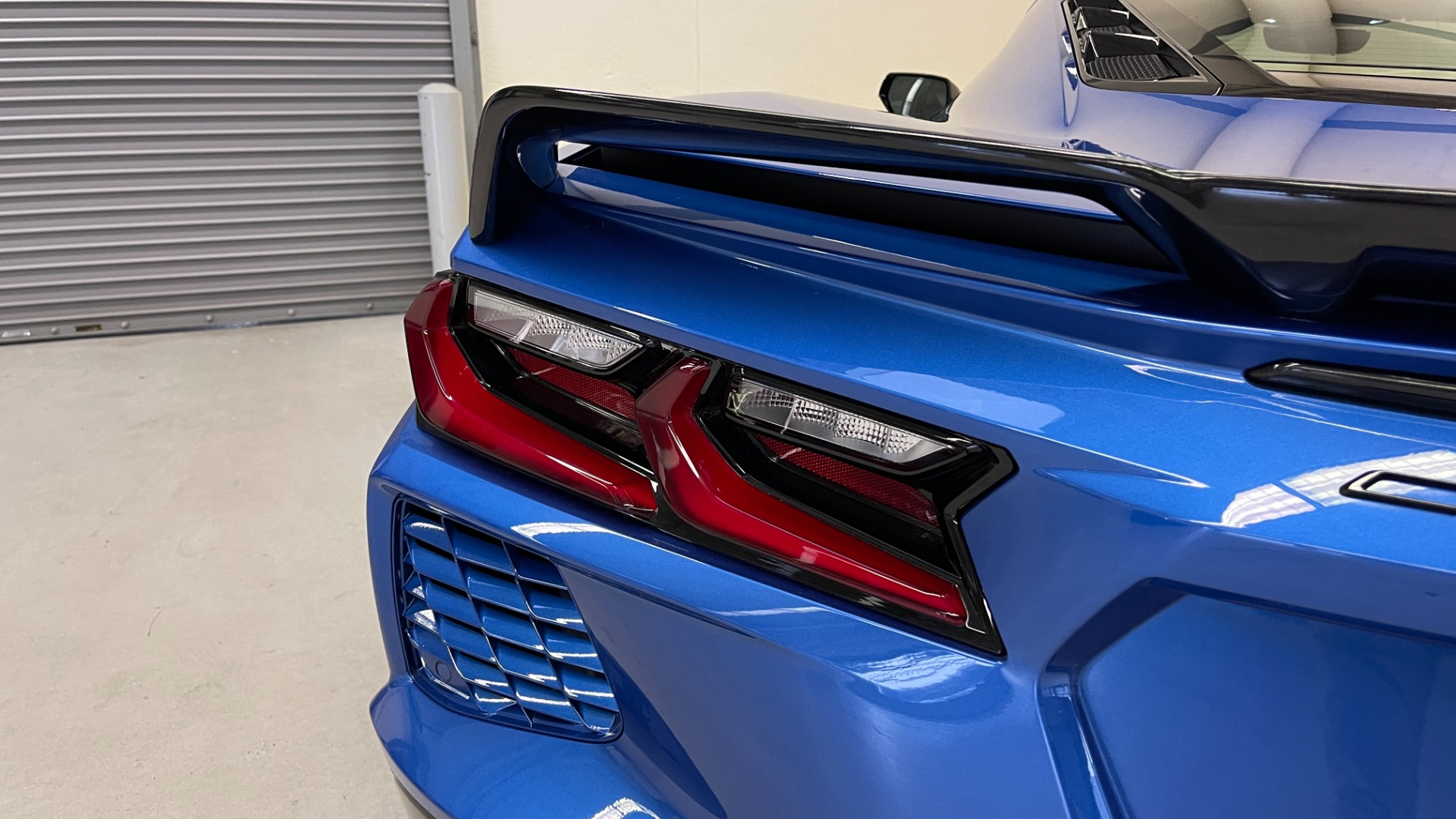 Used 2021 Chevrolet CORVETTE STINGRAY 3LT COUPE / 8-SPD / PERF PKG / NAV / BOSE / REARVIEW for sale $110,995 at Formula Imports in Charlotte NC 28227 10