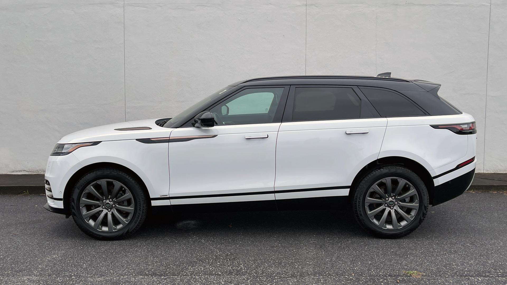 Used 2018 Land Rover RANGE ROVER VELAR R-DYNAMIC SE / NAV / PREM / MERIDIAN / SUNROOF / REARVIEW for sale $54,995 at Formula Imports in Charlotte NC 28227 2