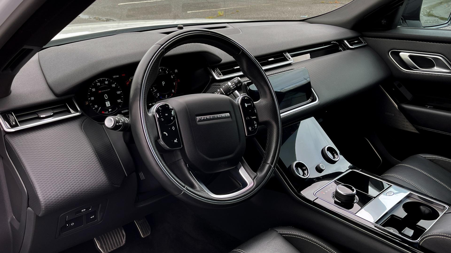Used 2018 Land Rover RANGE ROVER VELAR R-DYNAMIC SE / NAV / PREM / MERIDIAN / SUNROOF / REARVIEW for sale $54,995 at Formula Imports in Charlotte NC 28227 27