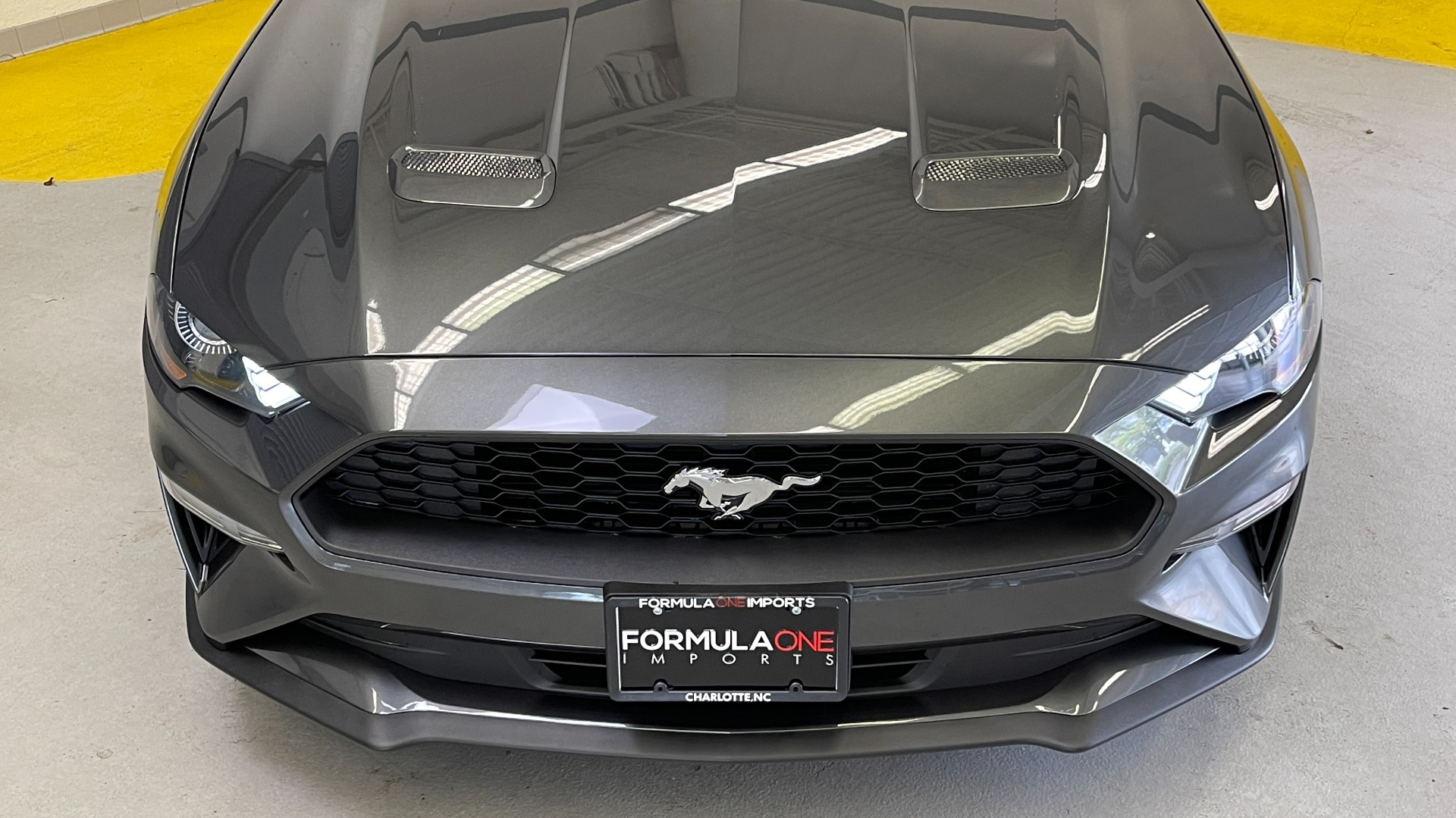 Used 2019 Ford MUSTANG ECOBOOST 2.3L / 10-SPD AUTO / SYNC3 8INCH SCREEN / TRACK APPS / REARVIEW for sale $31,795 at Formula Imports in Charlotte NC 28227 13