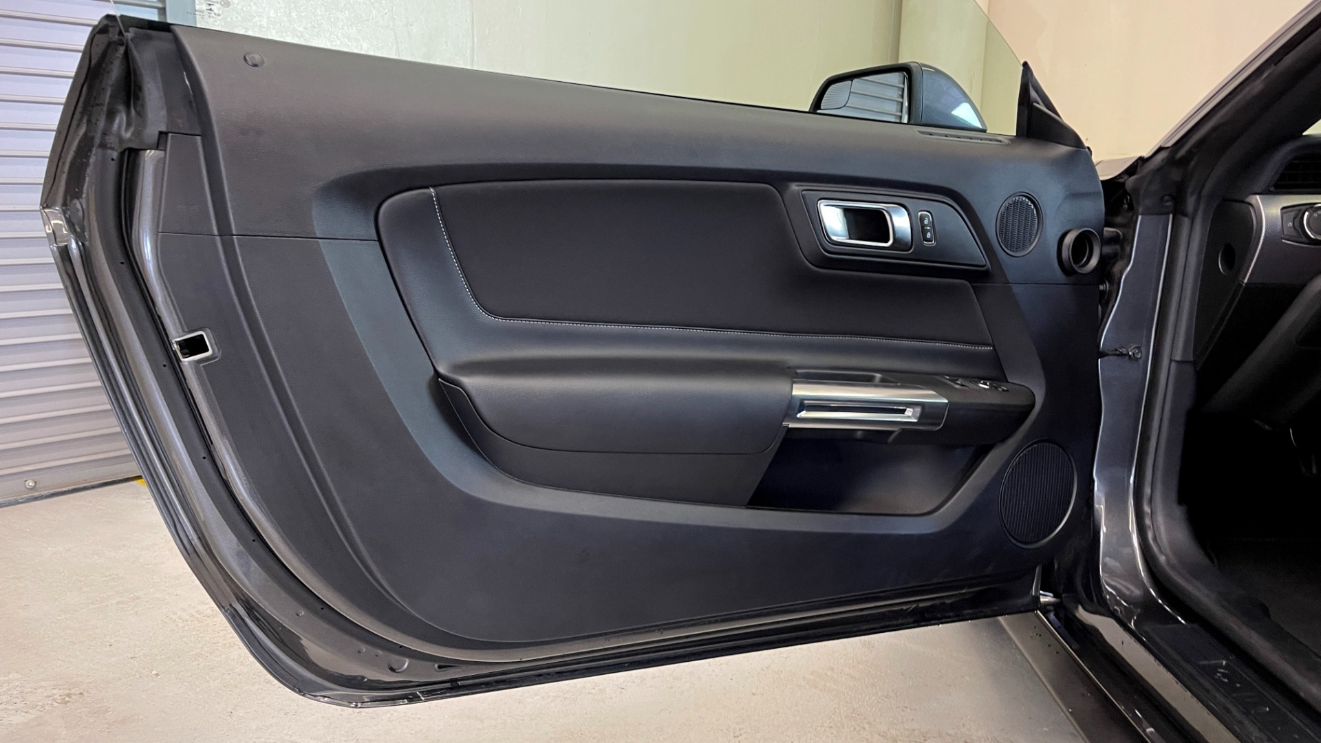 Used 2019 Ford MUSTANG ECOBOOST 2.3L / 10-SPD AUTO / SYNC3 8INCH SCREEN / TRACK APPS / REARVIEW for sale $31,795 at Formula Imports in Charlotte NC 28227 31