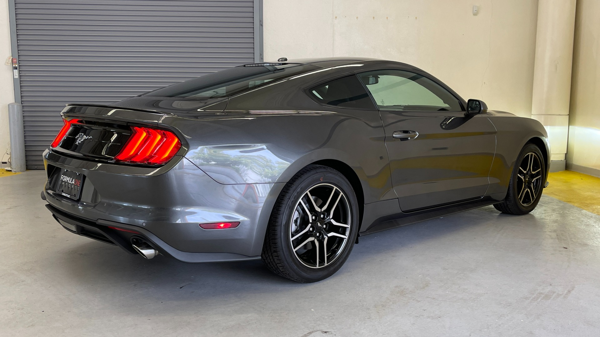 Used 2019 Ford MUSTANG ECOBOOST 2.3L / 10-SPD AUTO / SYNC3 8INCH SCREEN / TRACK APPS / REARVIEW for sale $31,795 at Formula Imports in Charlotte NC 28227 6