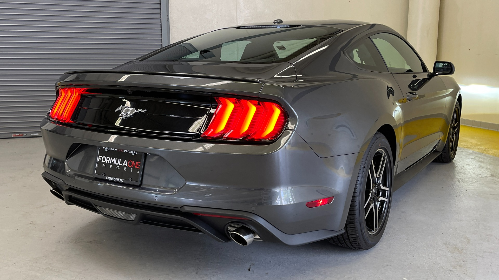 Used 2019 Ford MUSTANG ECOBOOST 2.3L / 10-SPD AUTO / SYNC3 8INCH SCREEN / TRACK APPS / REARVIEW for sale $31,795 at Formula Imports in Charlotte NC 28227 7