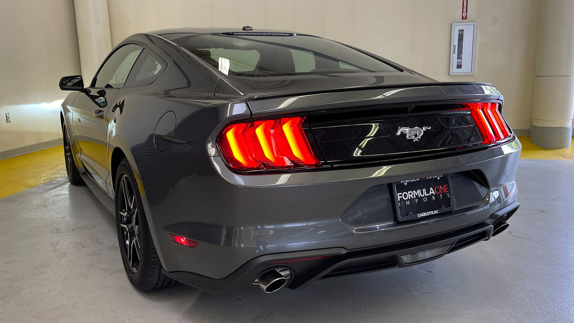 Used 2019 Ford MUSTANG ECOBOOST 2.3L / 10-SPD AUTO / SYNC3 8INCH SCREEN / TRACK APPS / REARVIEW for sale $31,795 at Formula Imports in Charlotte NC 28227 8