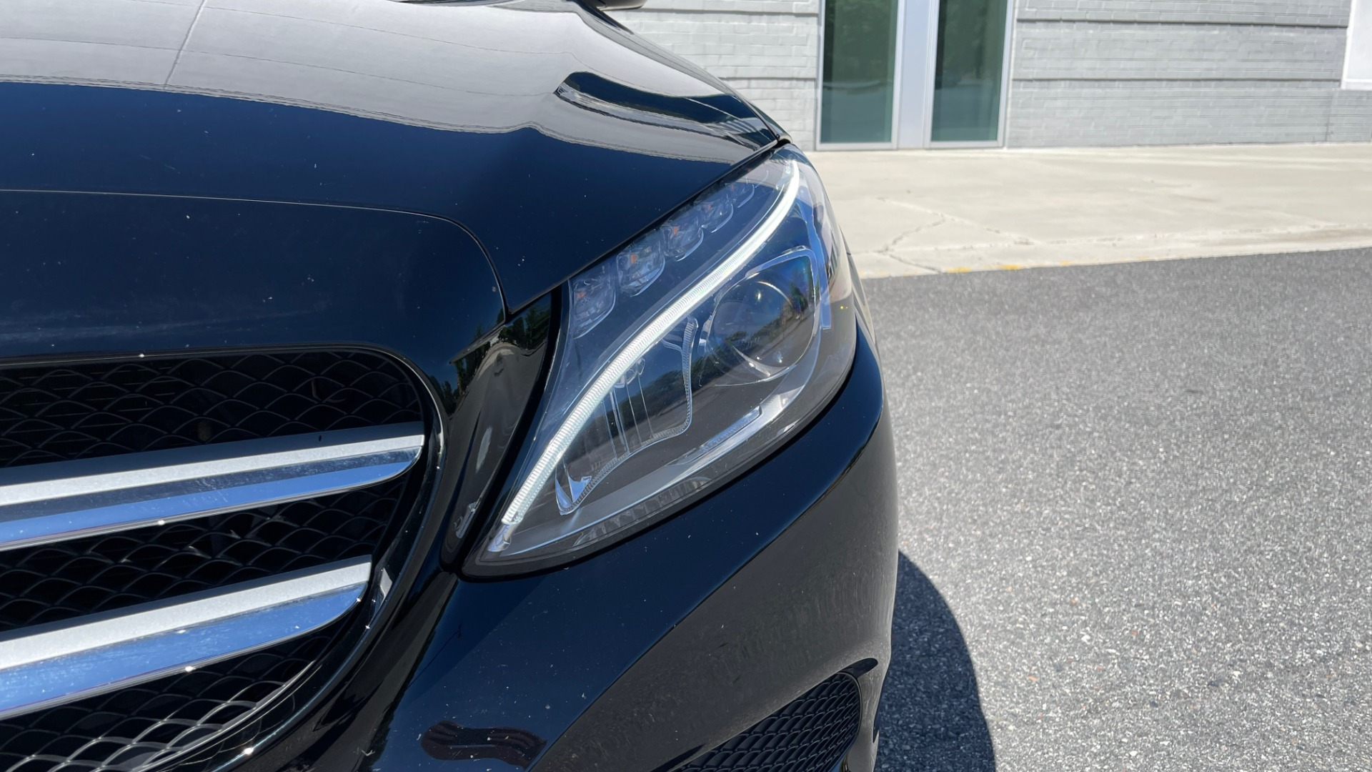 Used 2018 Mercedes-Benz C-CLASS C 300 PREMIUM / APPLE CARPLAY / SUNROOF / REARVIEW for sale $31,995 at Formula Imports in Charlotte NC 28227 12