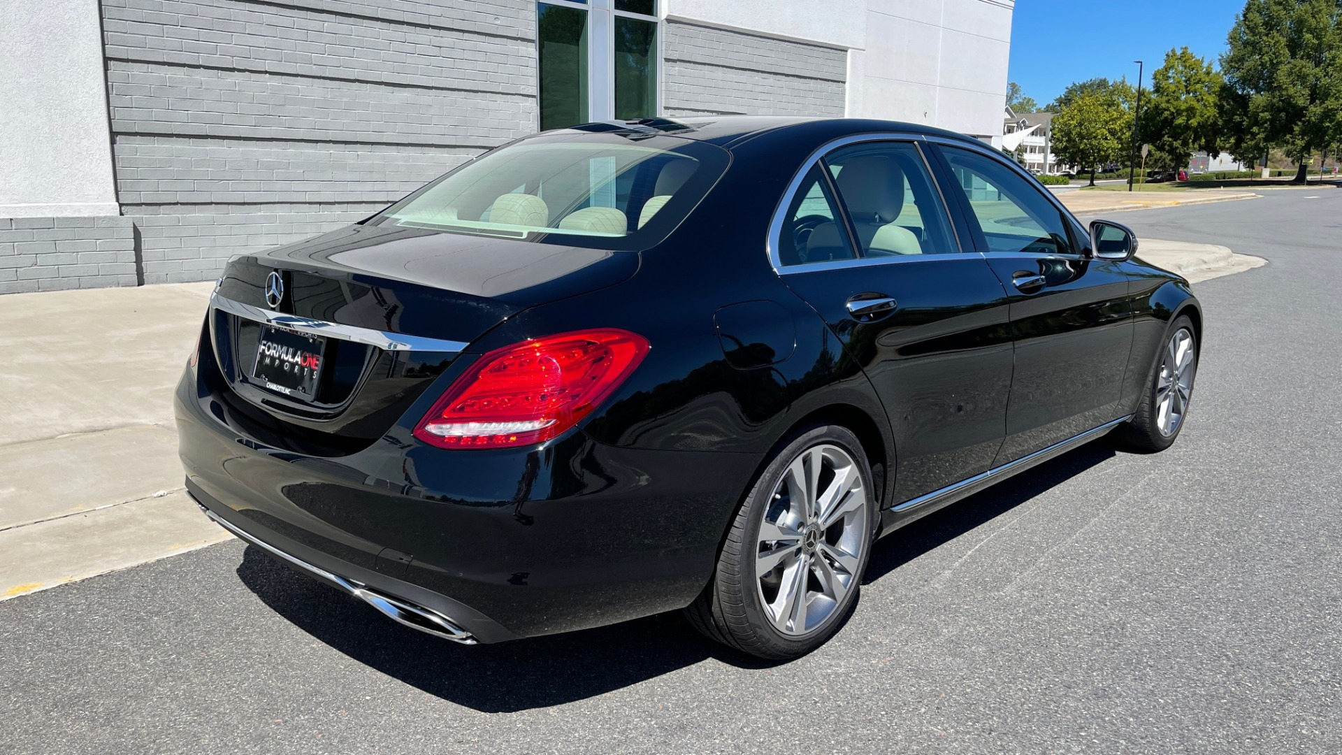 Used 2018 Mercedes-Benz C-CLASS C 300 PREMIUM / APPLE CARPLAY / SUNROOF / REARVIEW for sale $31,995 at Formula Imports in Charlotte NC 28227 2
