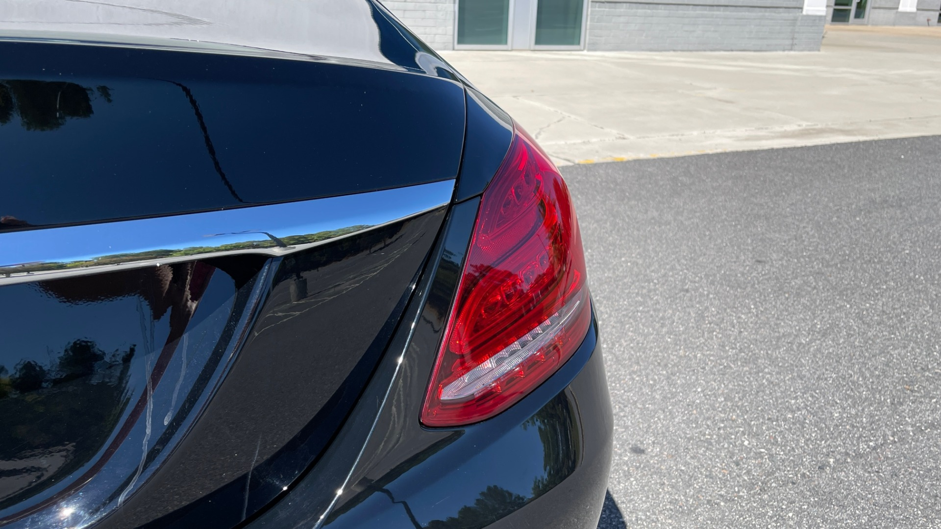 Used 2018 Mercedes-Benz C-CLASS C 300 PREMIUM / APPLE CARPLAY / SUNROOF / REARVIEW for sale $31,995 at Formula Imports in Charlotte NC 28227 22