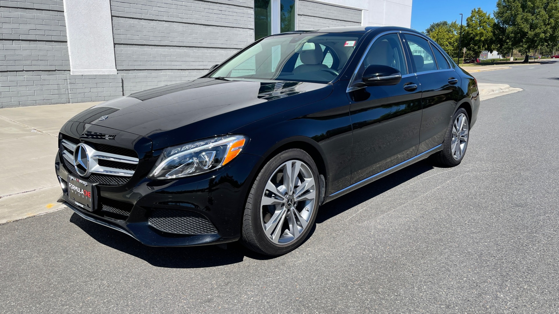 Used 2018 Mercedes-Benz C-CLASS C 300 PREMIUM / APPLE CARPLAY / SUNROOF / REARVIEW for sale $31,995 at Formula Imports in Charlotte NC 28227 3