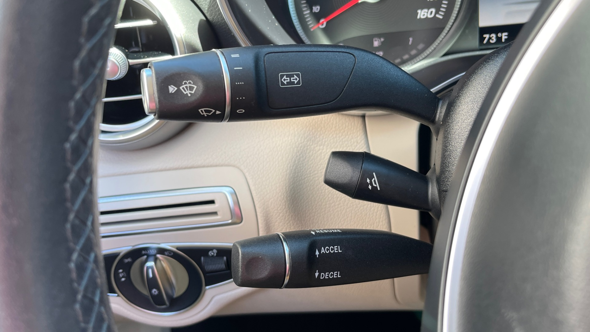 Used 2018 Mercedes-Benz C-CLASS C 300 PREMIUM / APPLE CARPLAY / SUNROOF / REARVIEW for sale $31,995 at Formula Imports in Charlotte NC 28227 32