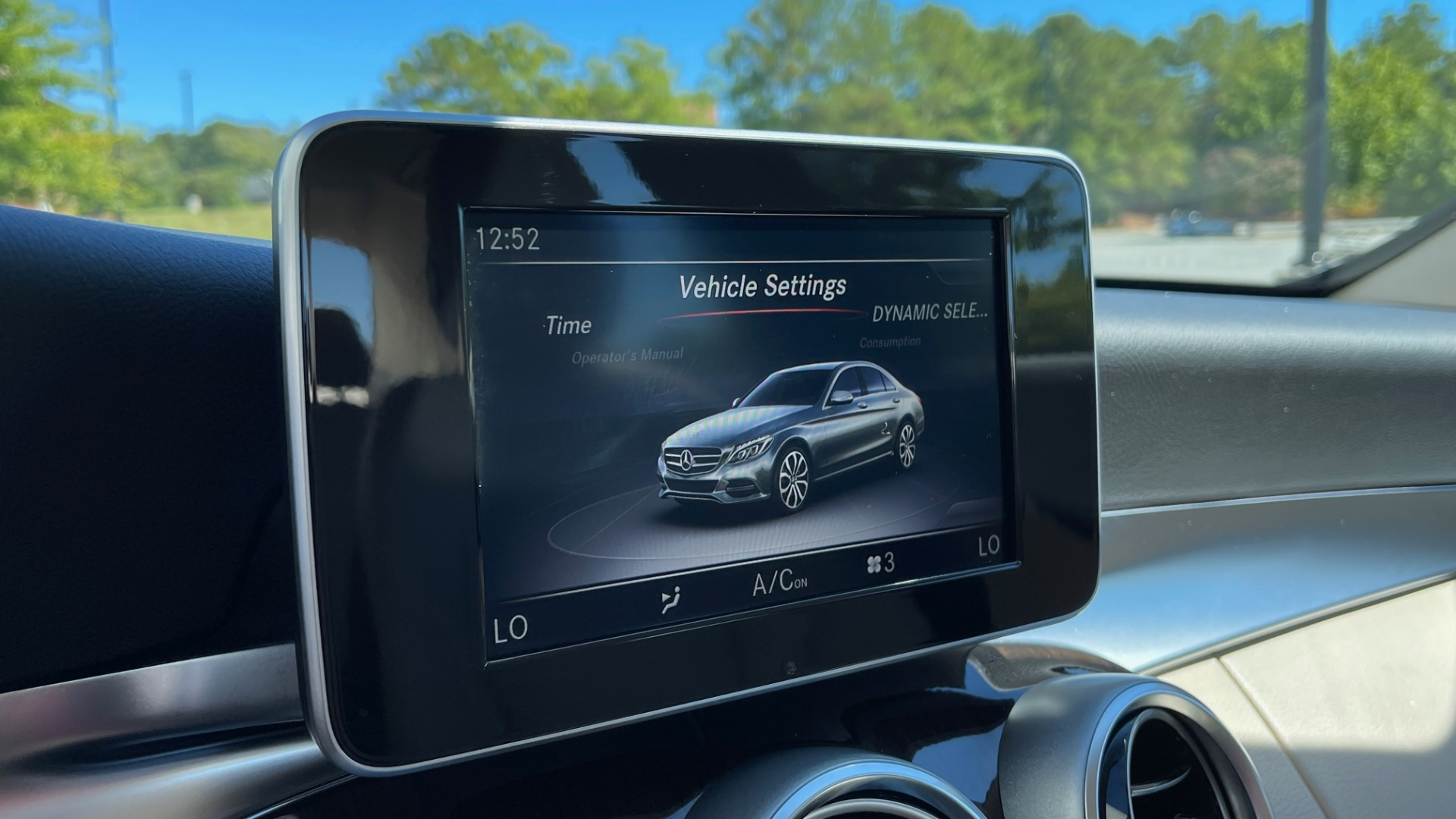 Used 2018 Mercedes-Benz C-CLASS C 300 PREMIUM / APPLE CARPLAY / SUNROOF / REARVIEW for sale $31,995 at Formula Imports in Charlotte NC 28227 36