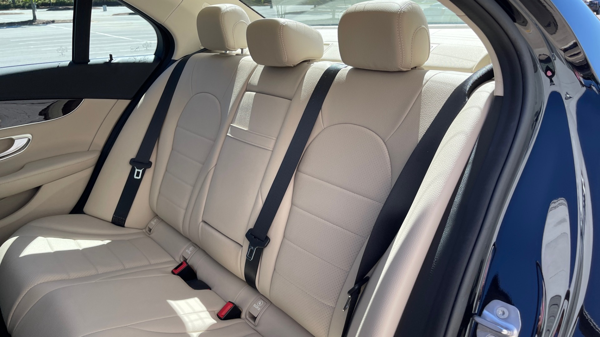 Used 2018 Mercedes-Benz C-CLASS C 300 PREMIUM / APPLE CARPLAY / SUNROOF / REARVIEW for sale $31,995 at Formula Imports in Charlotte NC 28227 46