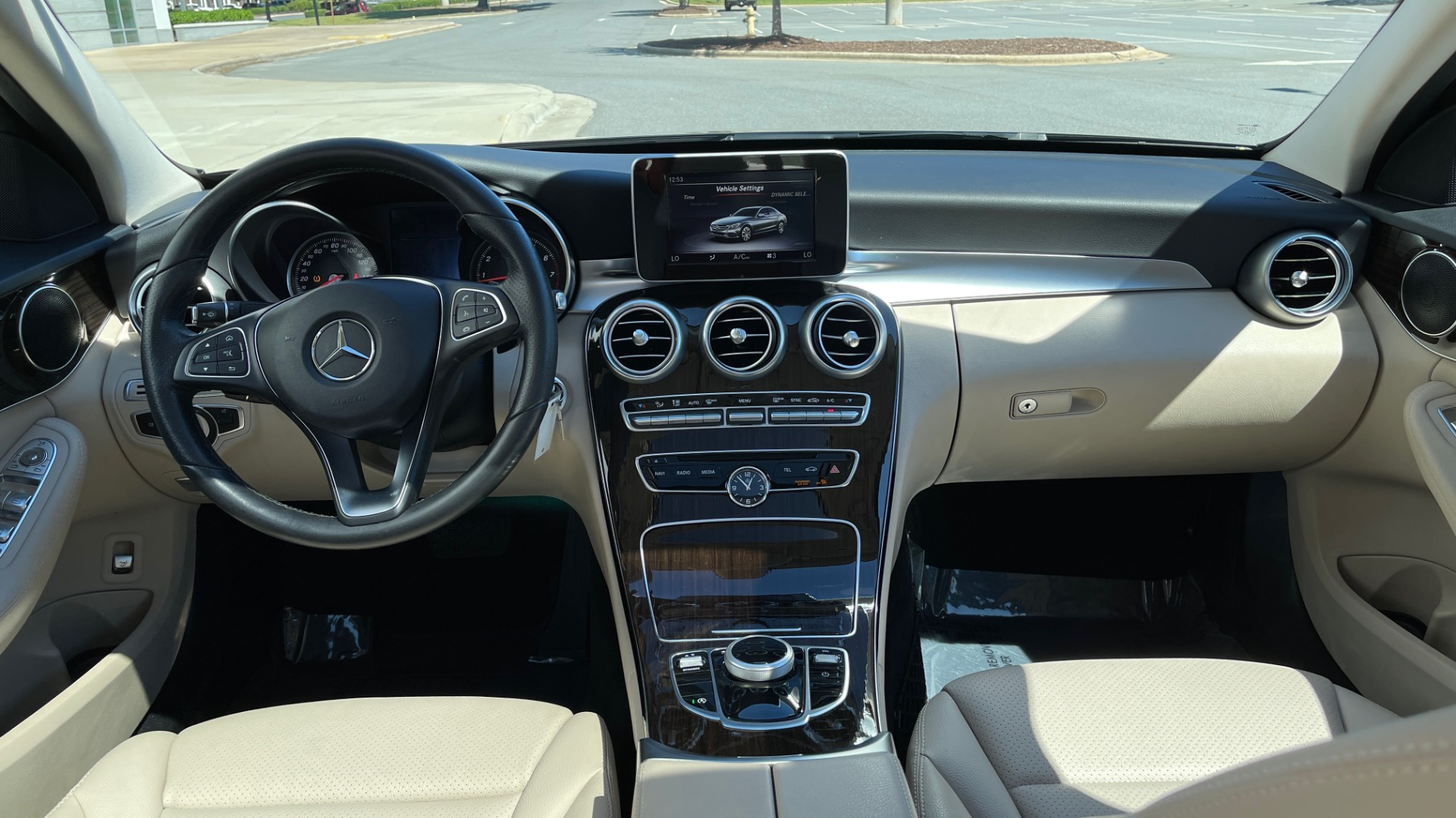 Used 2018 Mercedes-Benz C-CLASS C 300 PREMIUM / APPLE CARPLAY / SUNROOF / REARVIEW for sale $31,995 at Formula Imports in Charlotte NC 28227 48