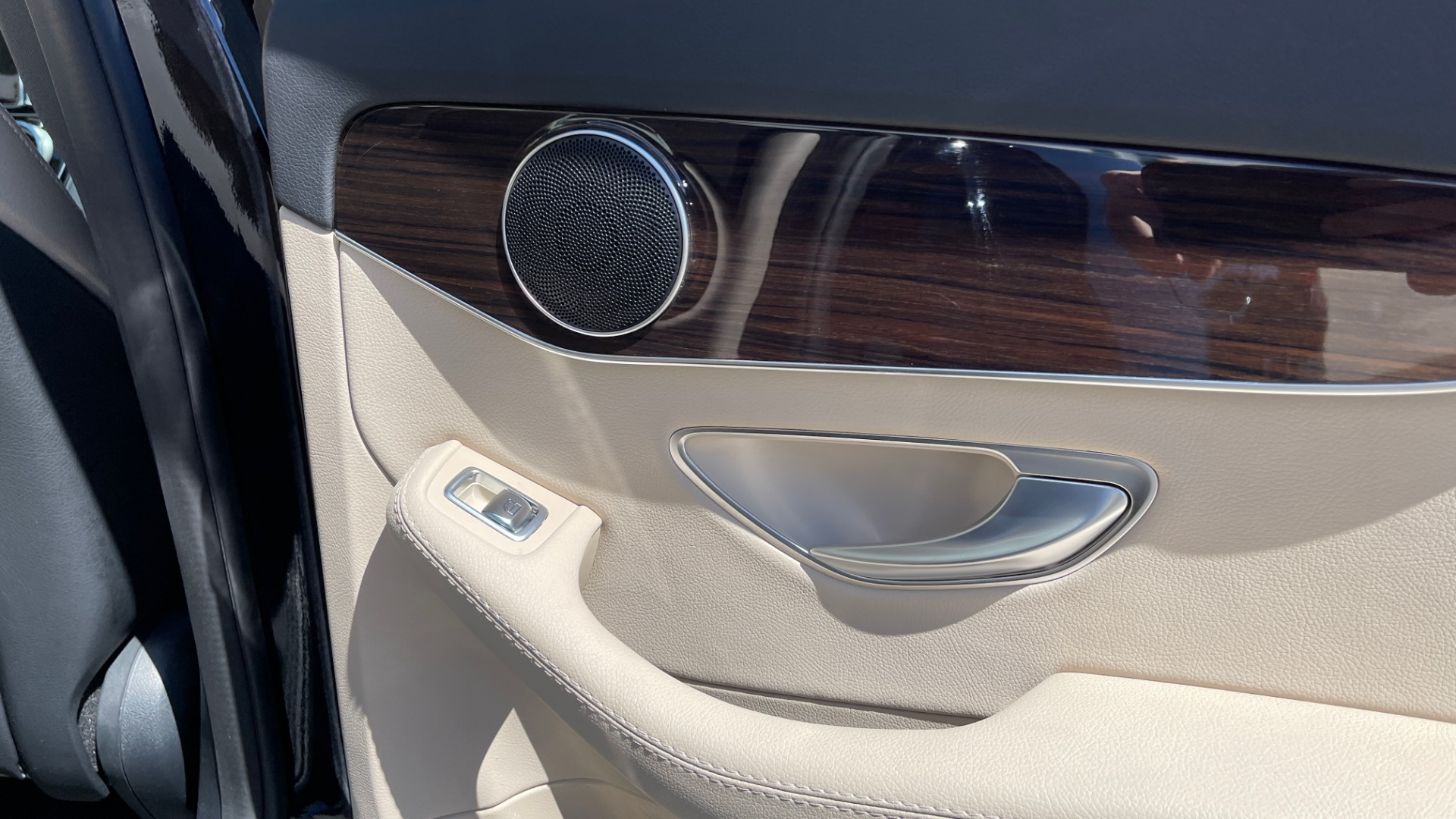 Used 2018 Mercedes-Benz C-CLASS C 300 PREMIUM / APPLE CARPLAY / SUNROOF / REARVIEW for sale $31,995 at Formula Imports in Charlotte NC 28227 51