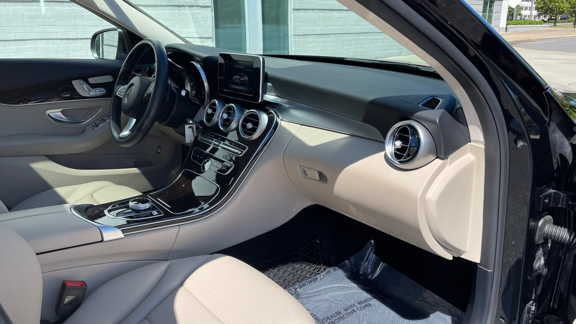 Used 2018 Mercedes-Benz C-CLASS C 300 PREMIUM / APPLE CARPLAY / SUNROOF / REARVIEW for sale $31,995 at Formula Imports in Charlotte NC 28227 56