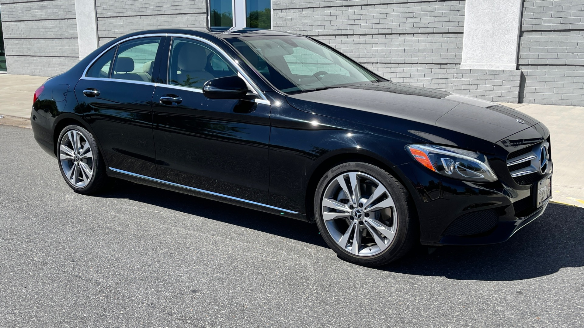 Used 2018 Mercedes-Benz C-CLASS C 300 PREMIUM / APPLE CARPLAY / SUNROOF / REARVIEW for sale $31,995 at Formula Imports in Charlotte NC 28227 6