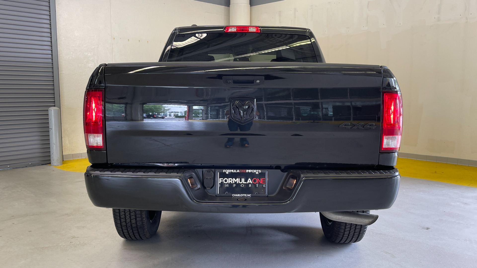 Used 2018 Ram 1500 EXPRESS CREWCAB 4X4 / 3.6L V6 / 8-SPD AUTO / REARVIEW for sale $36,495 at Formula Imports in Charlotte NC 28227 12