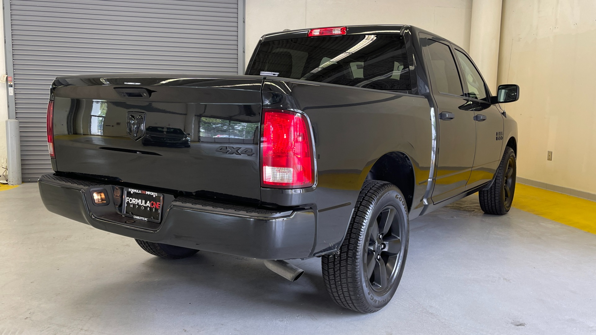 Used 2018 Ram 1500 EXPRESS CREWCAB 4X4 / 3.6L V6 / 8-SPD AUTO / REARVIEW for sale $36,495 at Formula Imports in Charlotte NC 28227 2