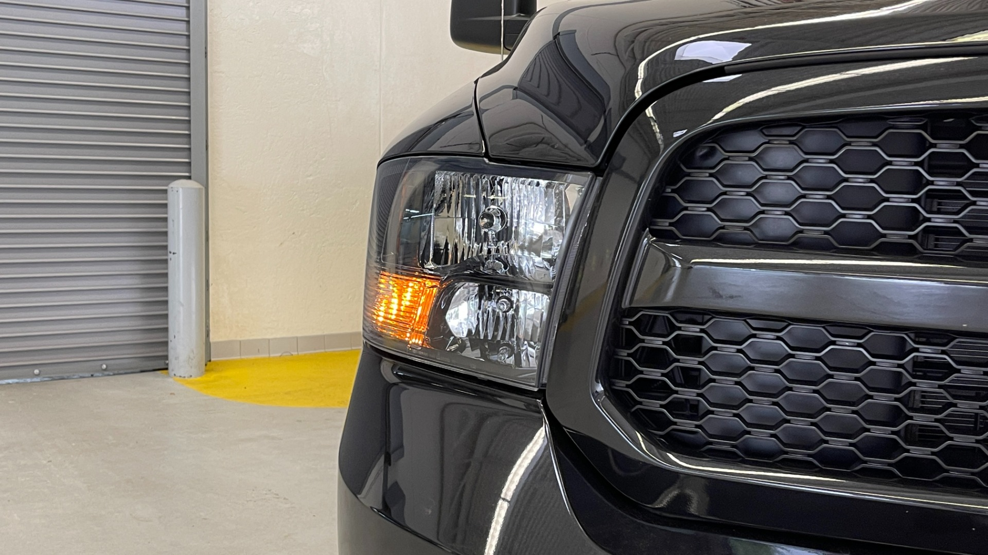 Used 2018 Ram 1500 EXPRESS CREWCAB 4X4 / 3.6L V6 / 8-SPD AUTO / REARVIEW for sale $36,495 at Formula Imports in Charlotte NC 28227 8